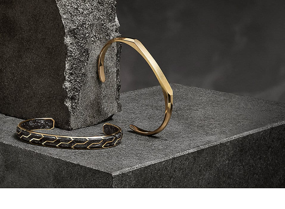 18k yellow gold Streamline and Forged Carbon men's cuffs