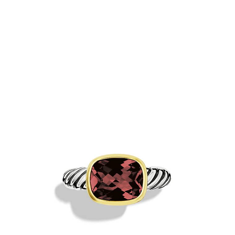 Noblesse Ring with Garnet with Gold