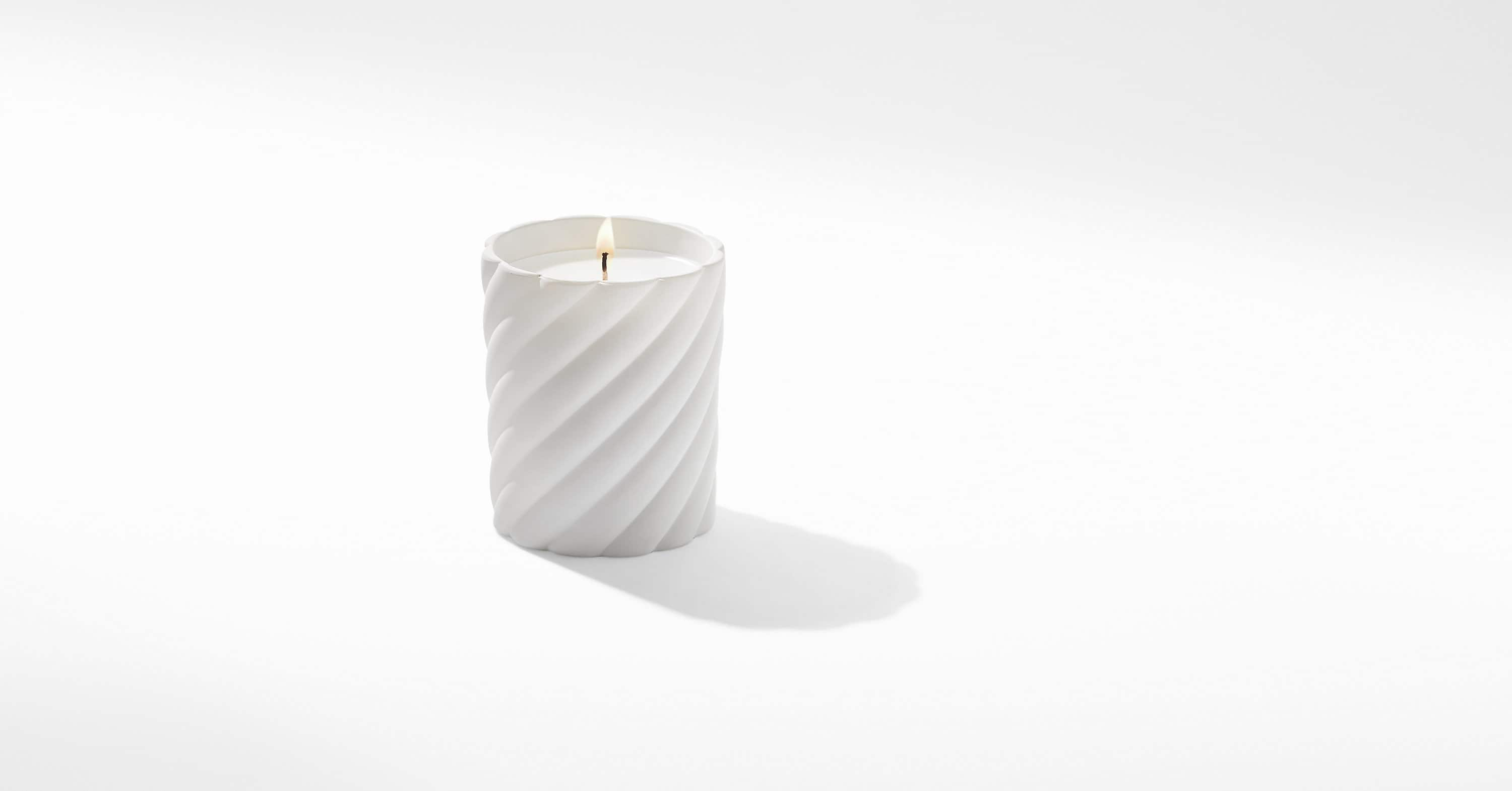 Cable Classic Candle with Jasmine Scent
