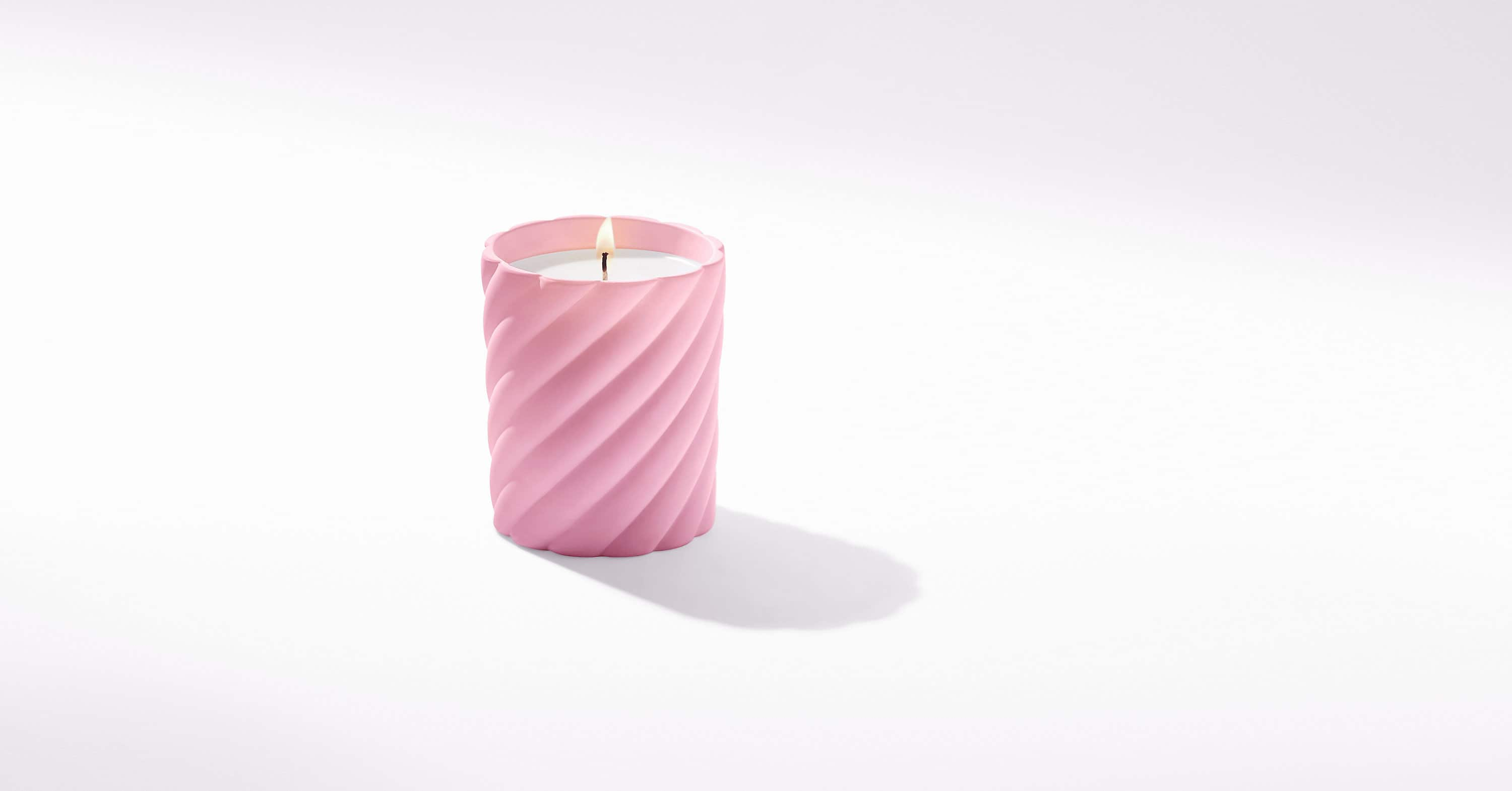 Cable Classic Candle with Rose Scent