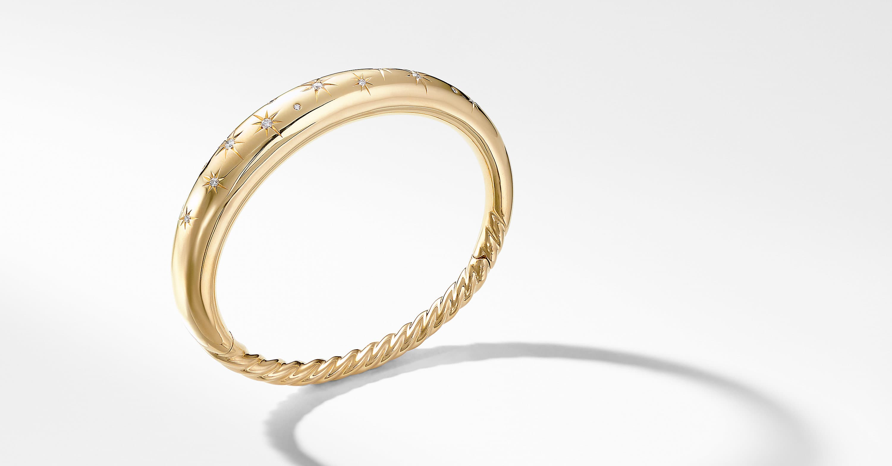 Pure Form Smooth Bracelet with Diamonds in 18K Gold, 9.5mm