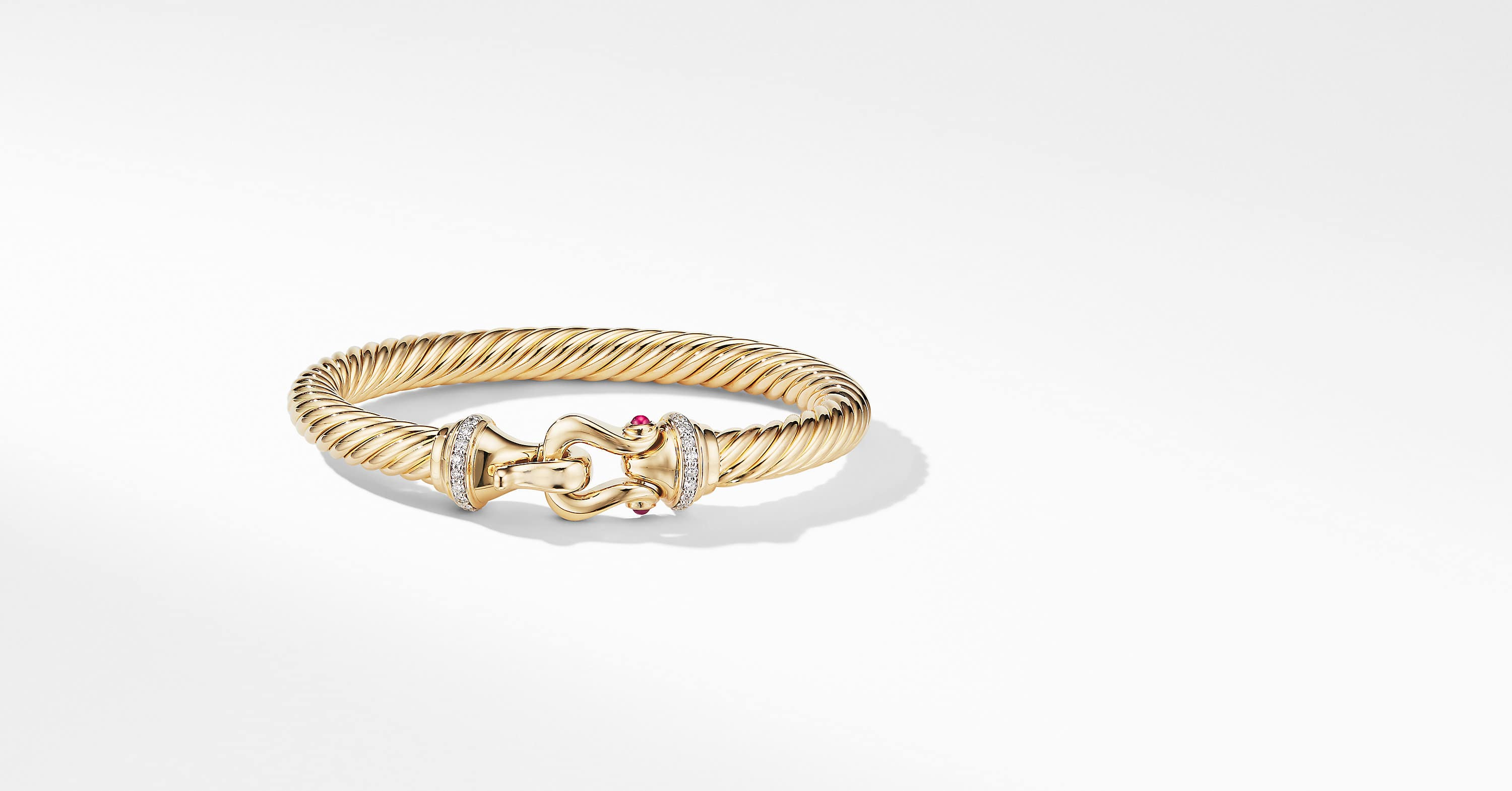 Buckle Bracelet in 18K Yellow Gold with Diamonds, 7mm
