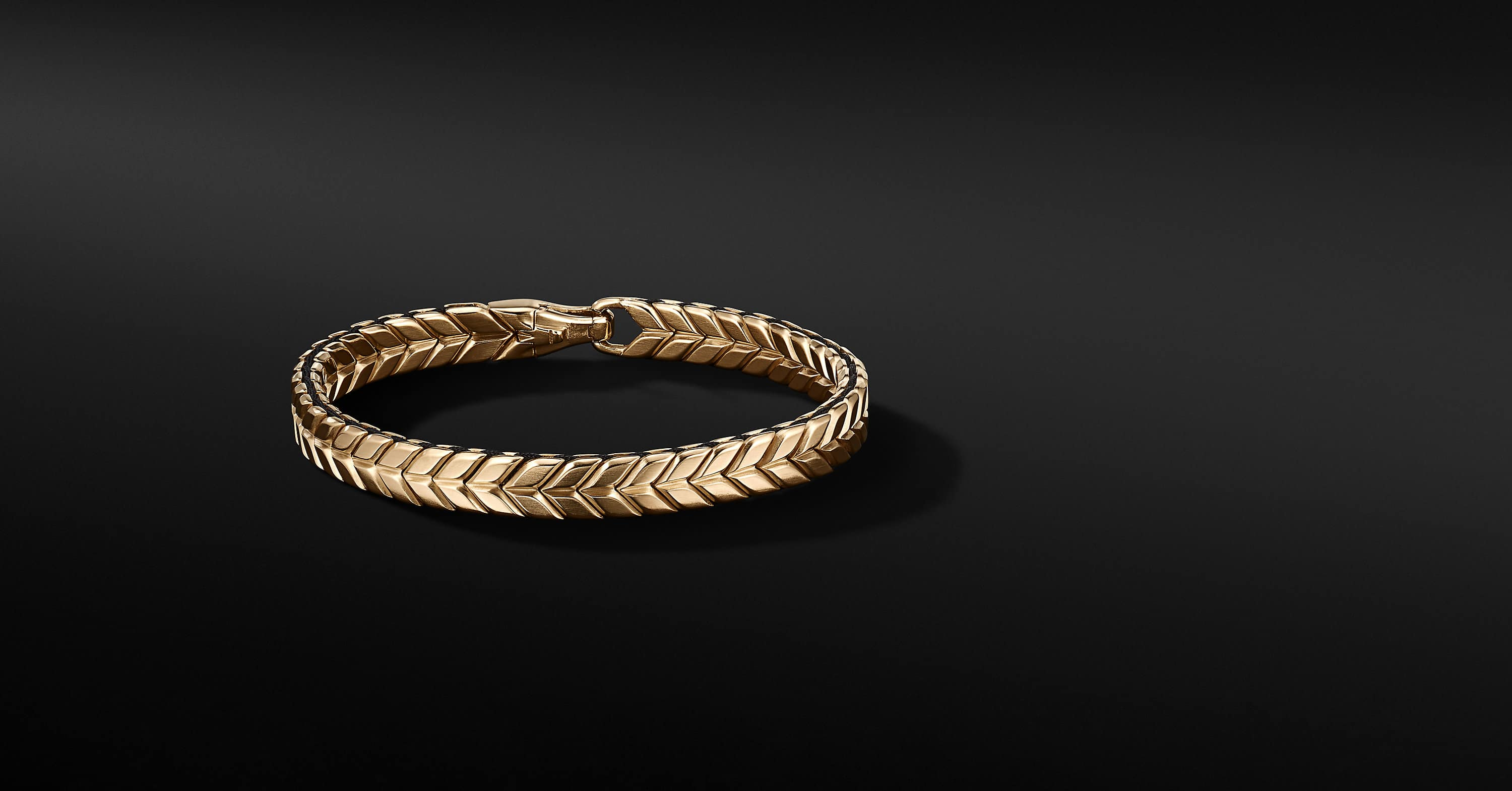 Chevron Woven Bracelet in 18K Yellow Gold