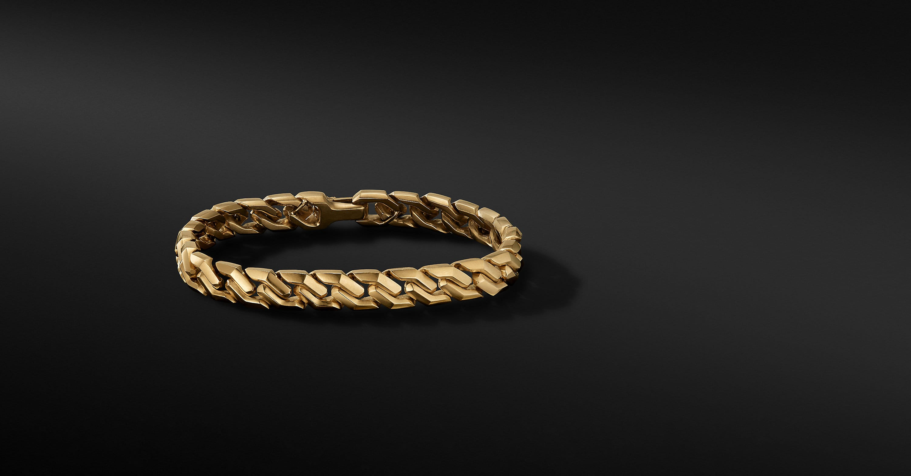 Curb Chain Link Bracelet in 18K Yellow Gold, 8.7mm