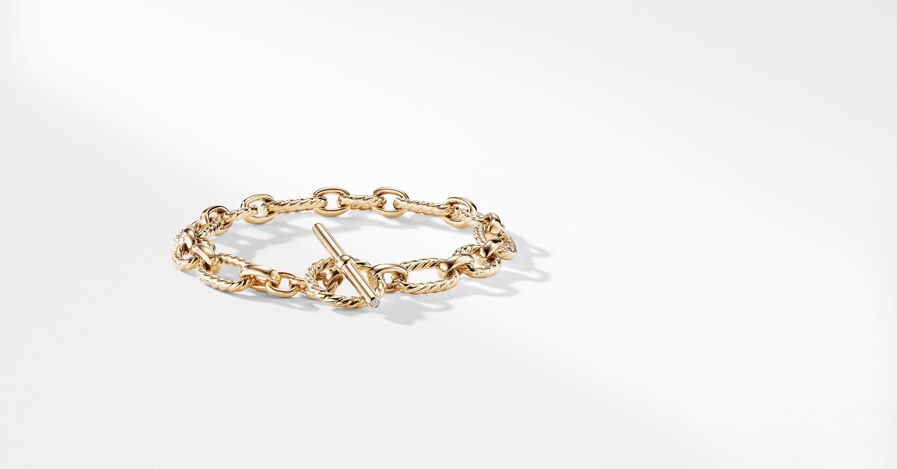 Cushion Link Bracelet with Diamonds in 18K Gold, 9.5mm