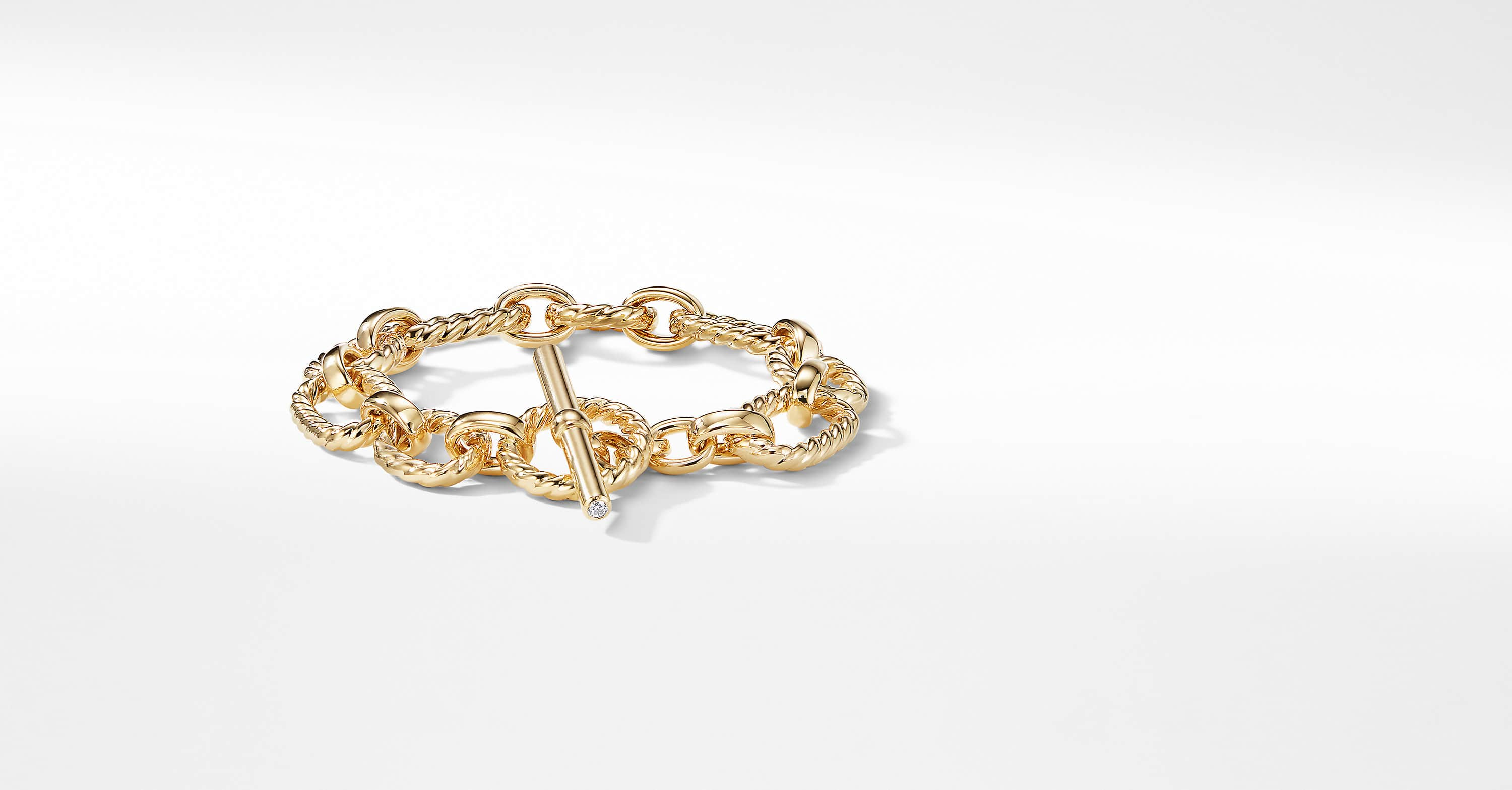 Cushion Link Bracelet with Diamonds in 18K Gold, 12.5mm
