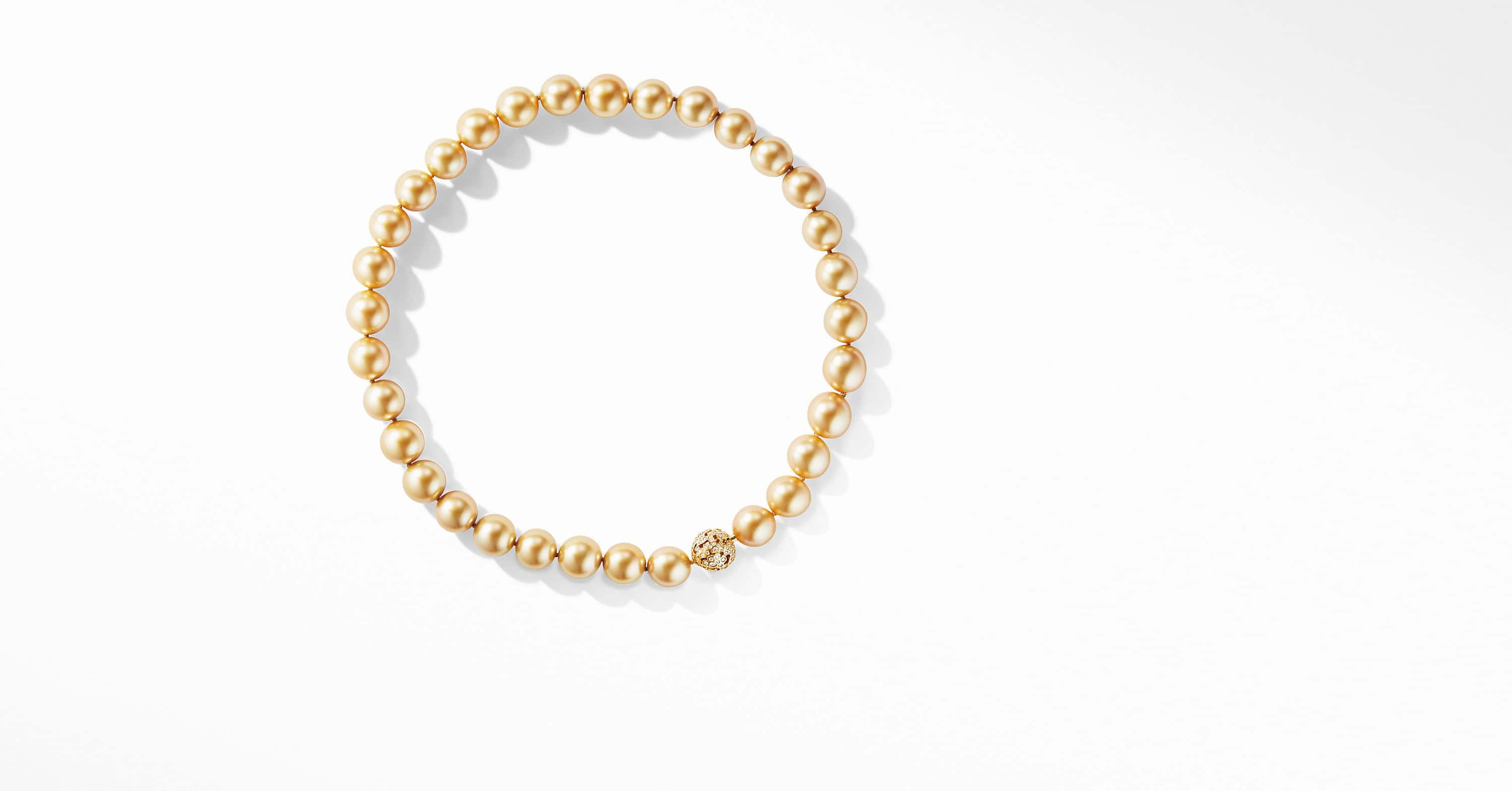 Day Petals Golden Pearl Necklace in Yellow Gold with Diamonds