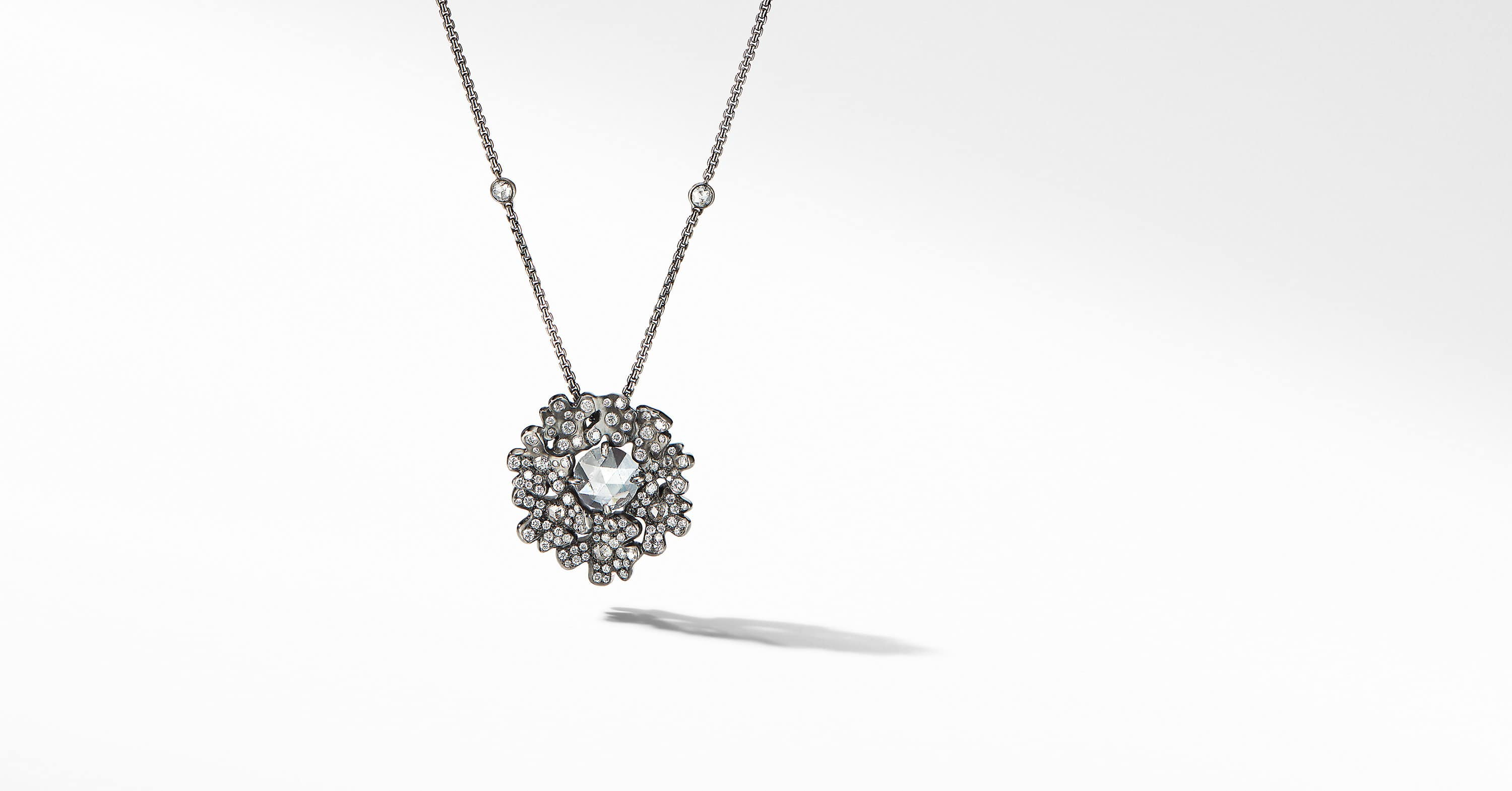 Night Petals Cluster Pendant in White Gold with Diamonds