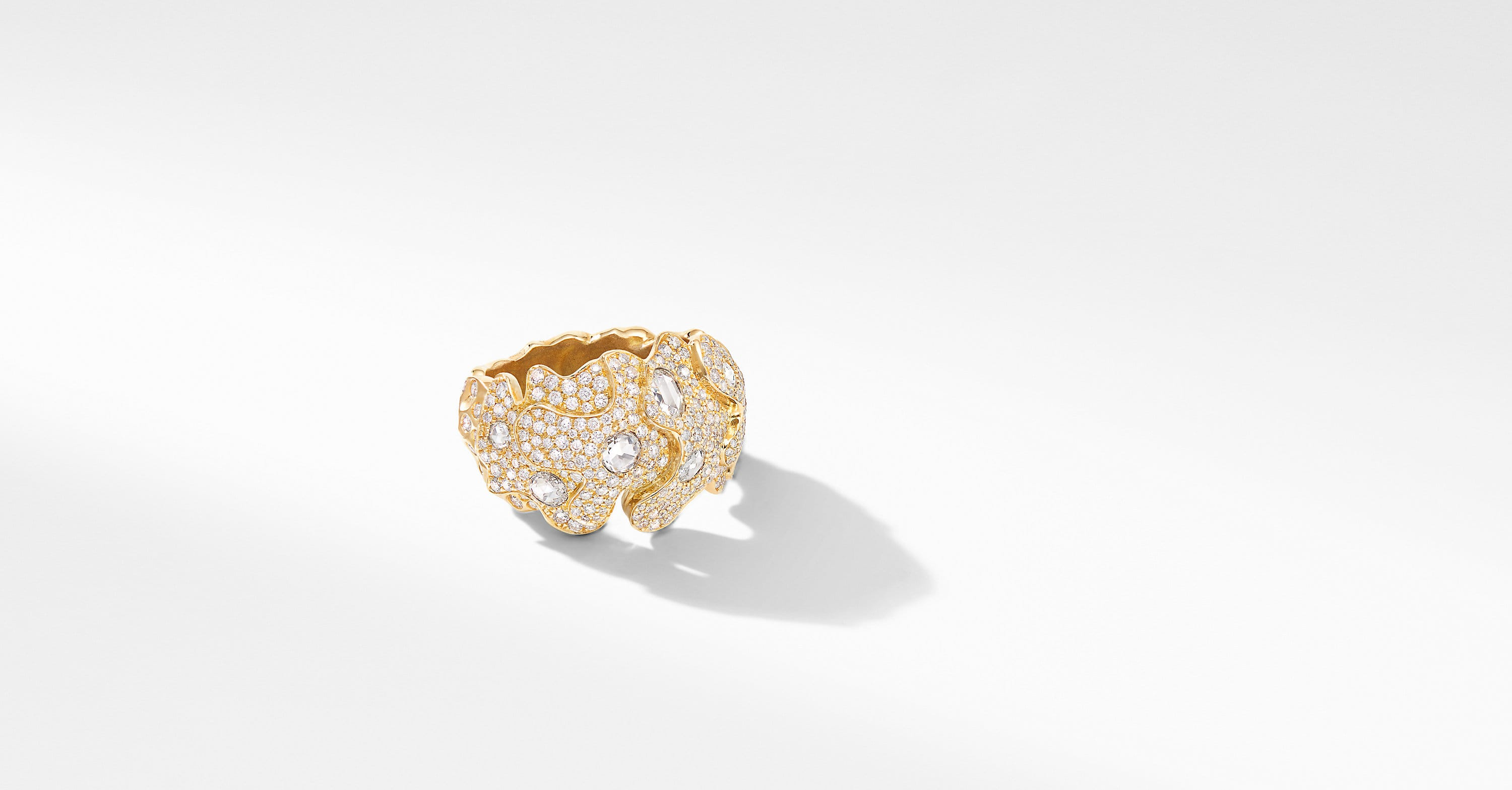 Day Petals Dome Ring in Yellow Gold with Diamonds