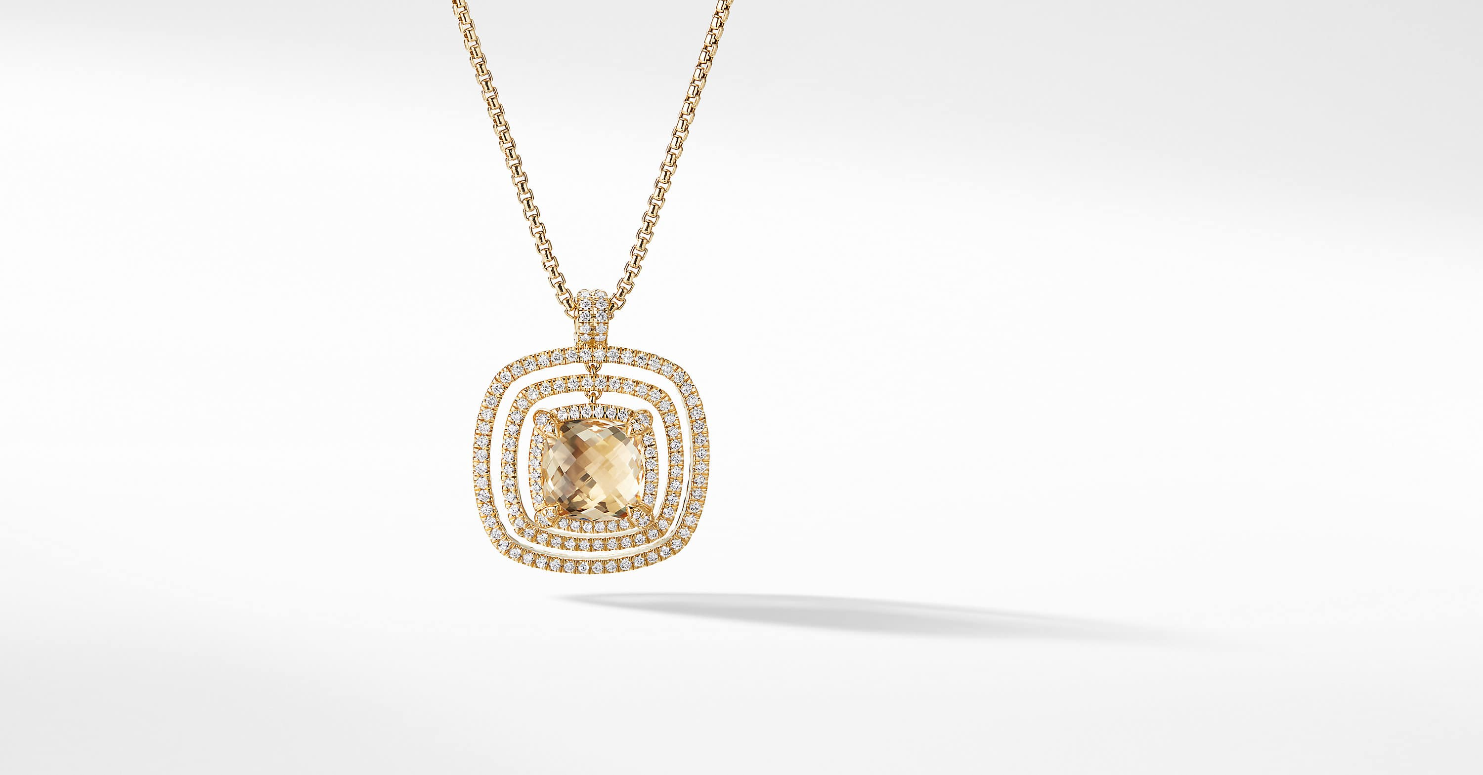 Chatelaine Pave Bezel Enhancer with Diamonds in 18K Gold, 26mm
