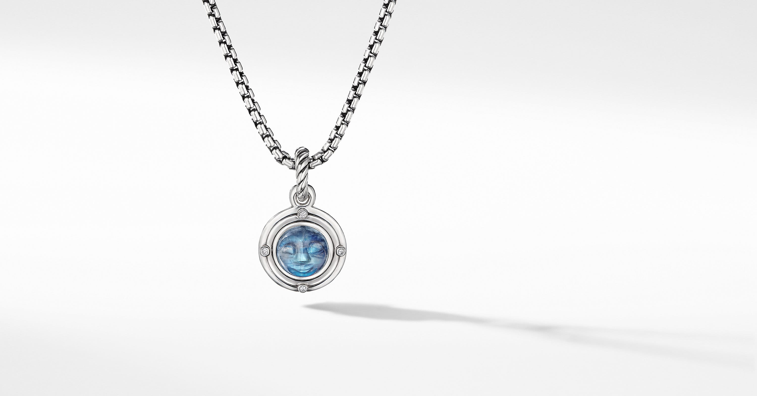 Amulette lune avec diamants