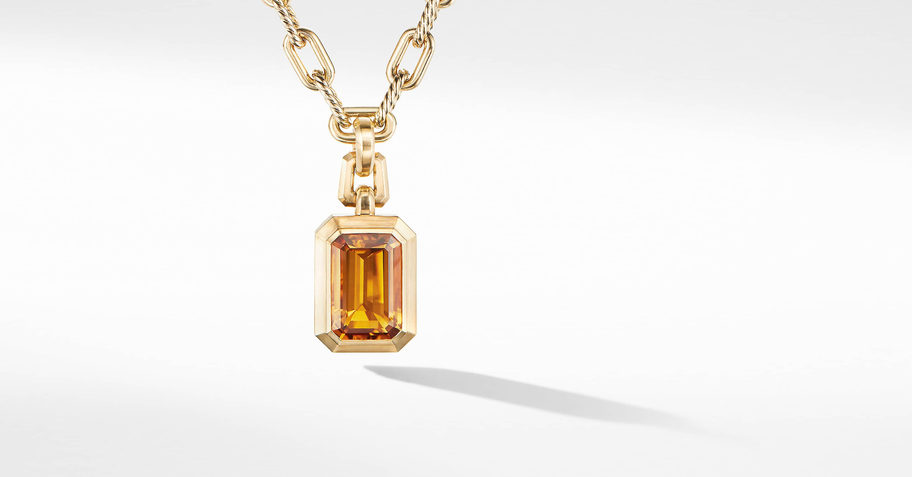Novella Pendant in 18K Yellow Gold
