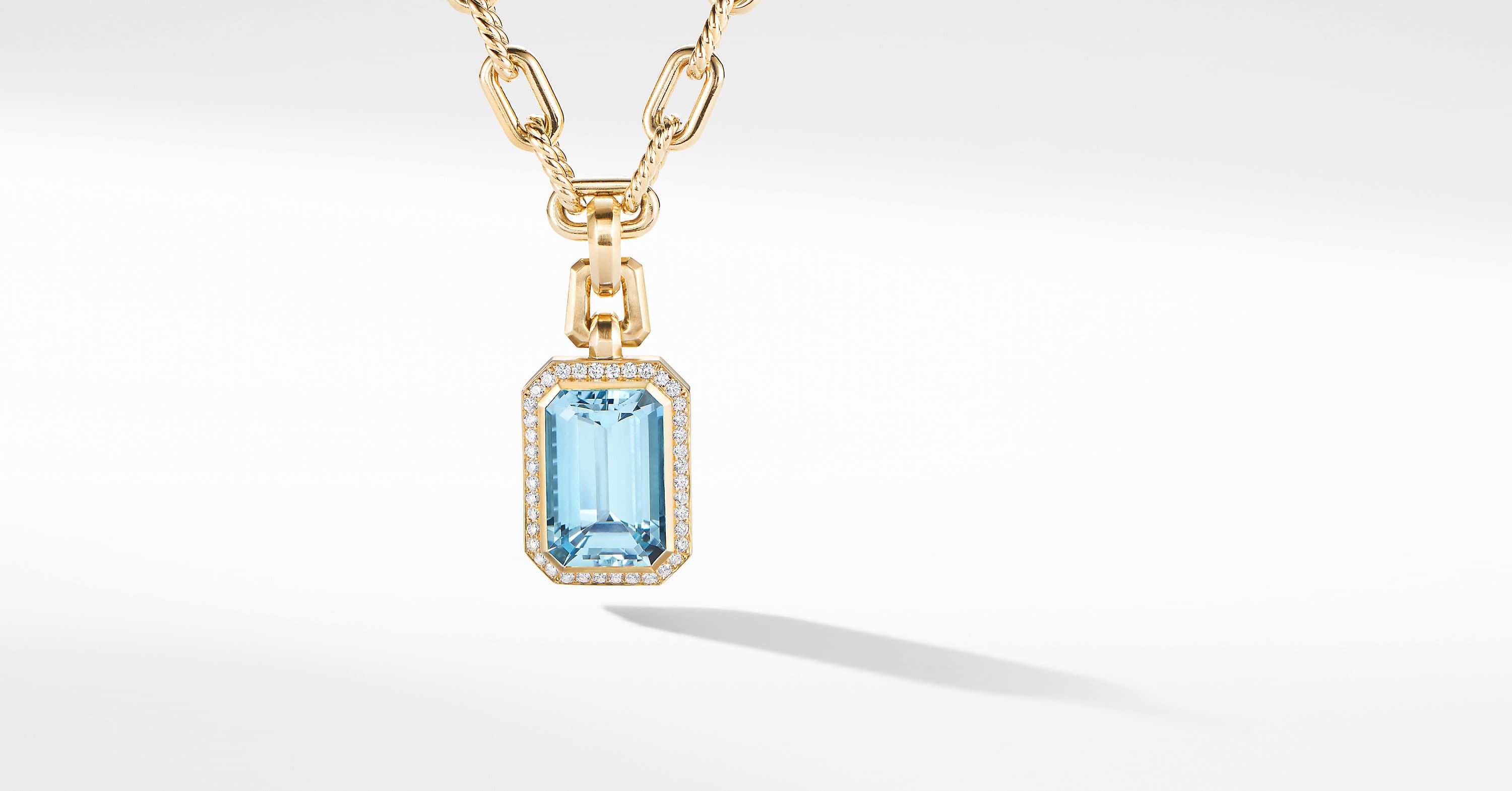 Novella Pendant in 18K Yellow Gold with Diamonds