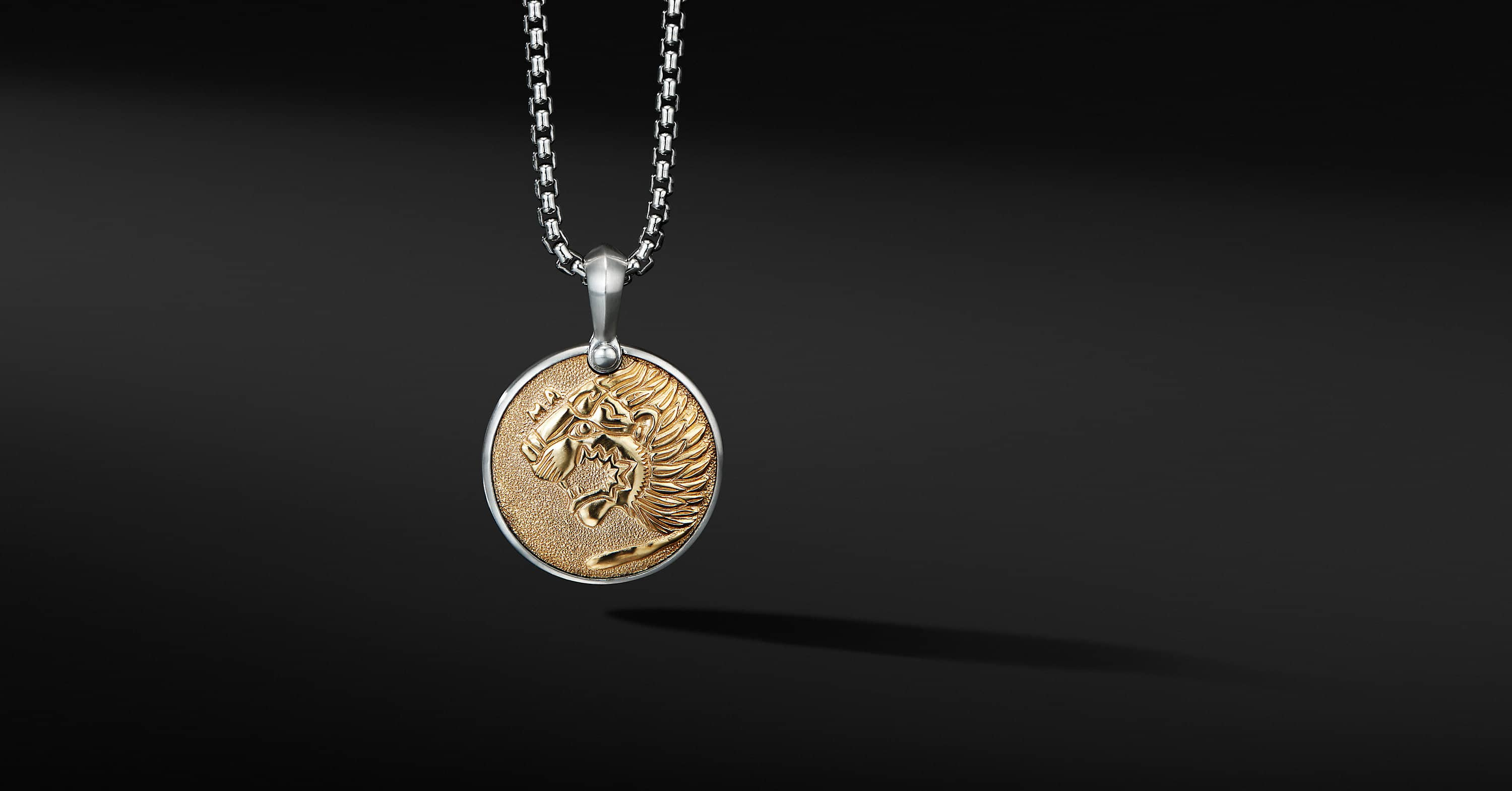 Petrvs Lion Amulet with 18K Yellow Gold