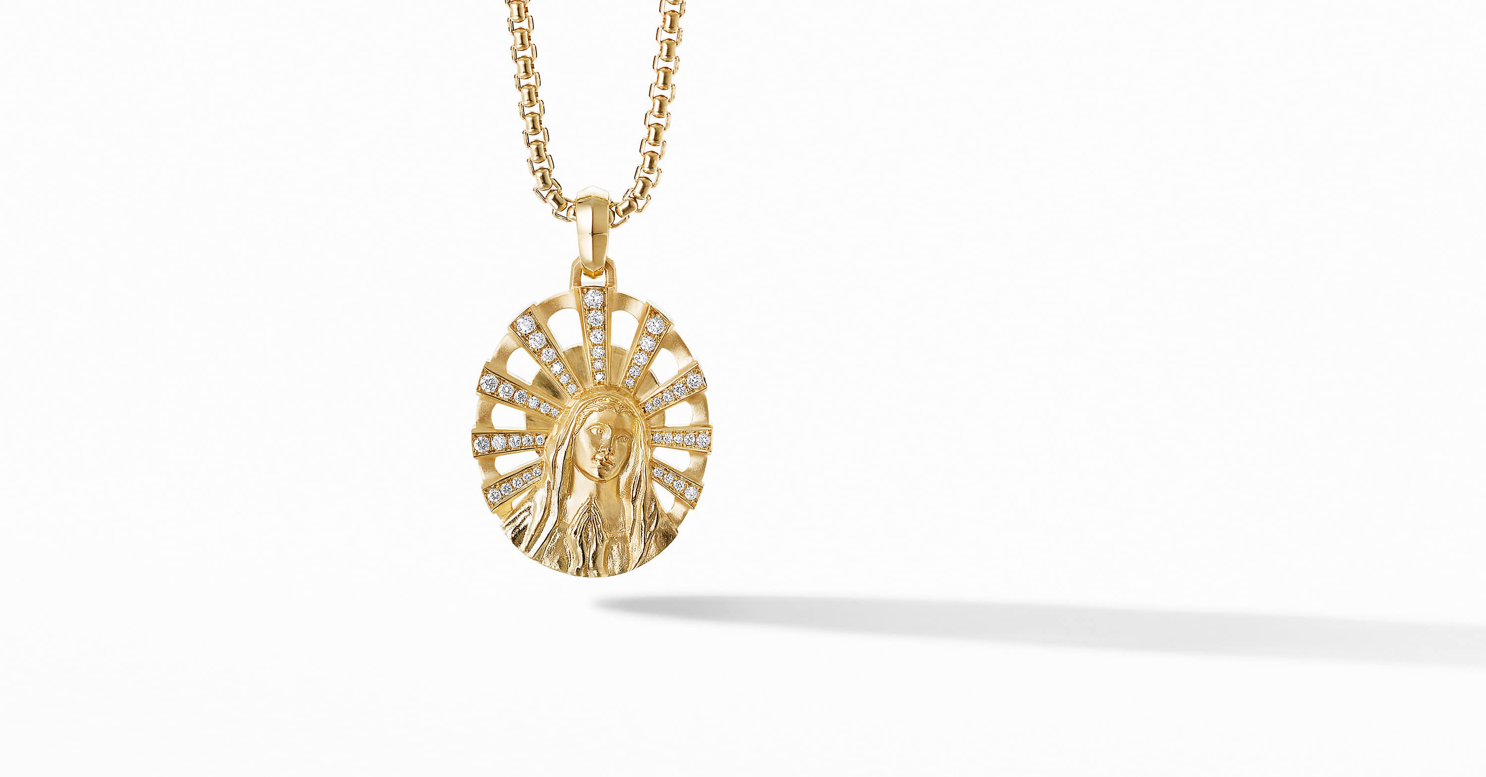 Madonna Amulet in 18K Yellow Gold with Pavé