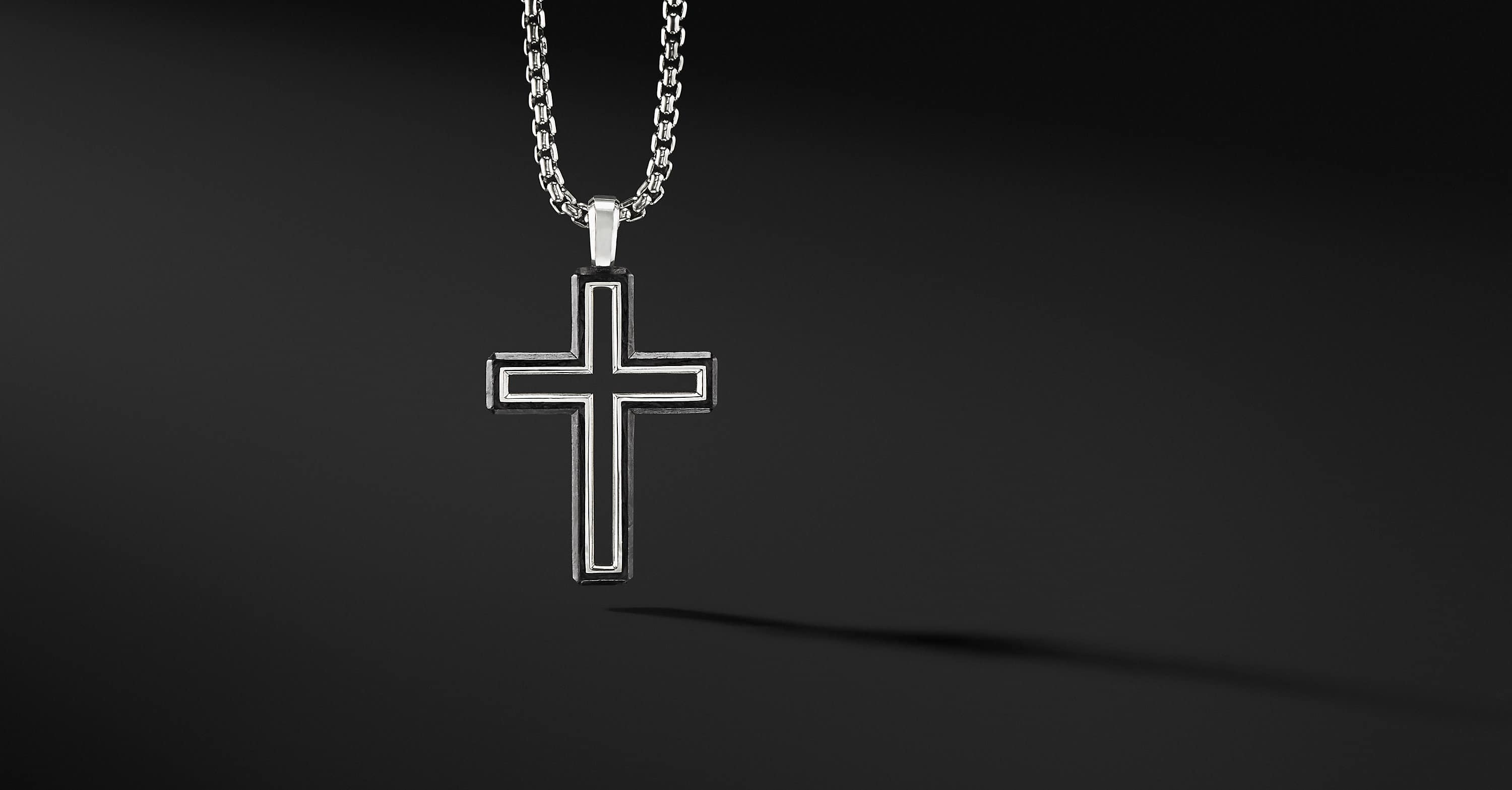 Pendentif croix Forged Carbon, 37 mm