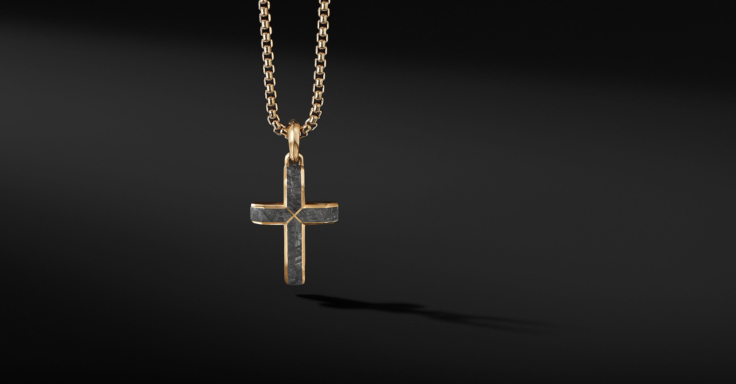 Faceted Cross Pendant in 18K Yellow Gold