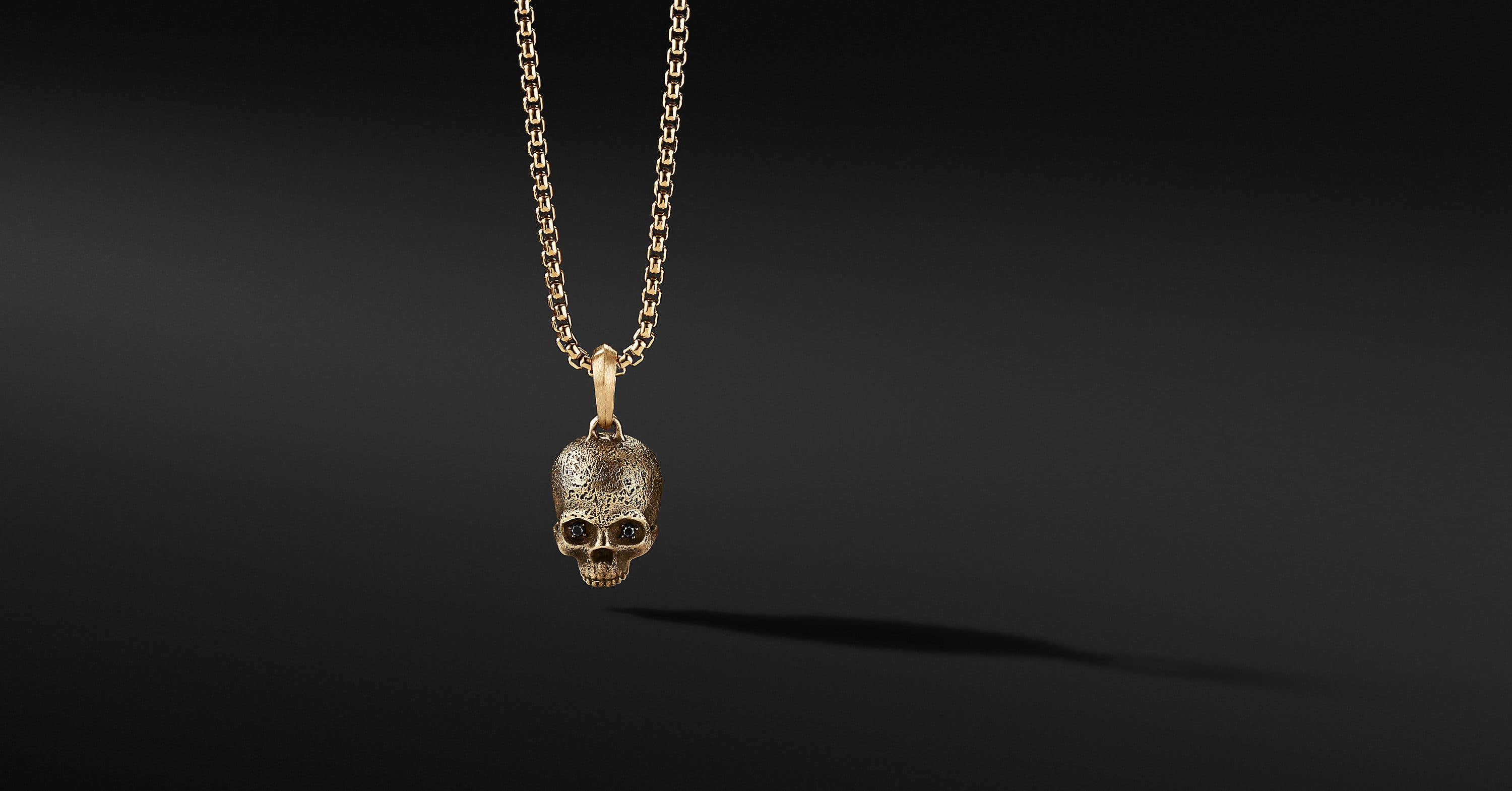 Skull Amulet in 18K Yellow Gold