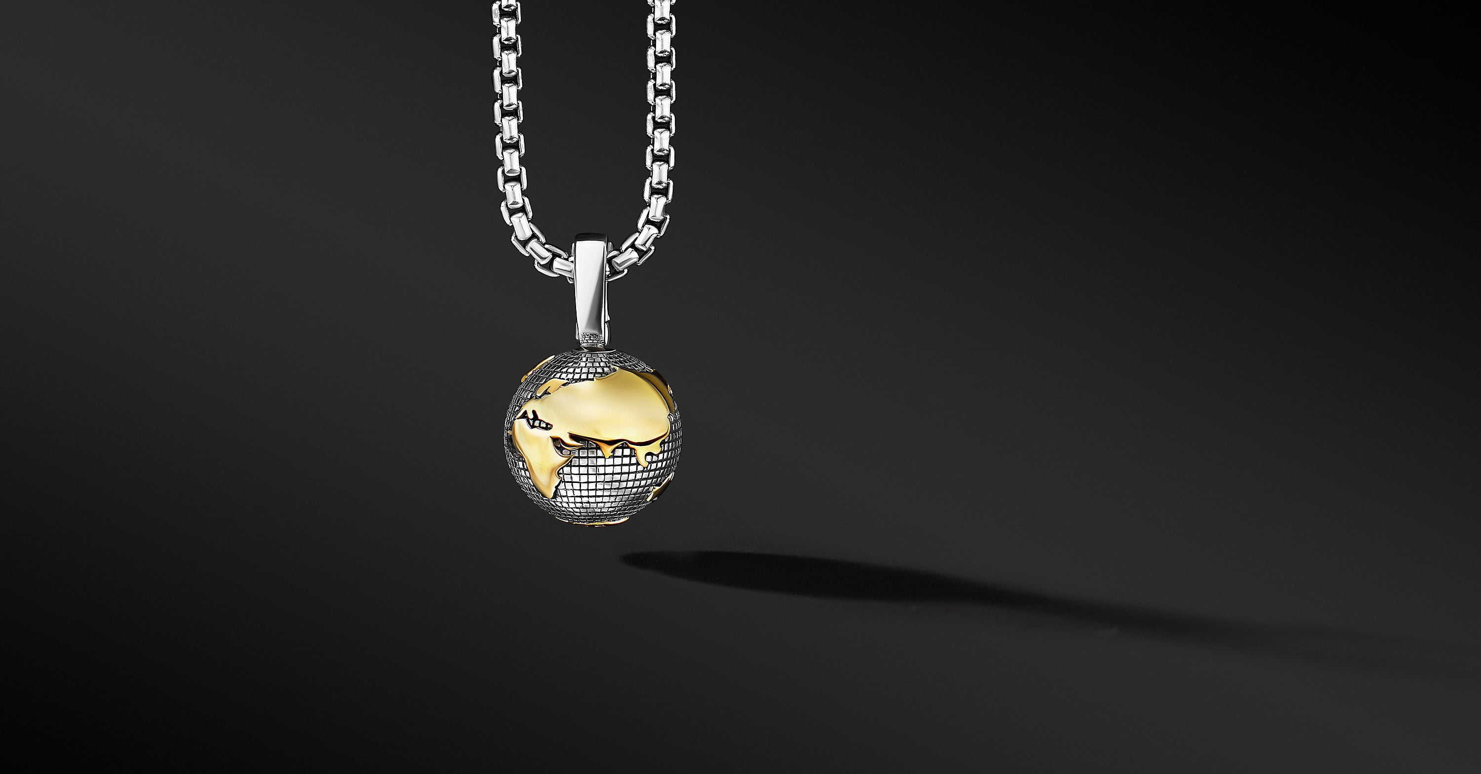 Earth Amulet with 18K Yellow Gold, 27mm