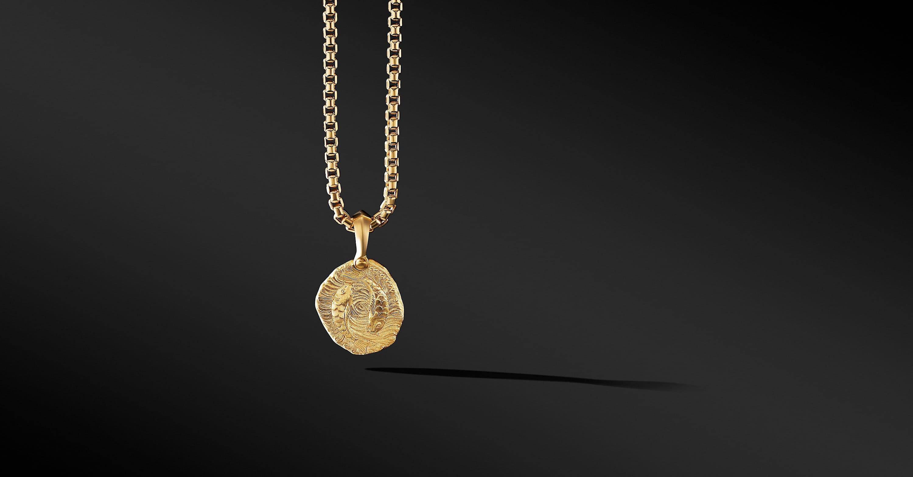 Pisces Amulet in 18K Yellow Gold