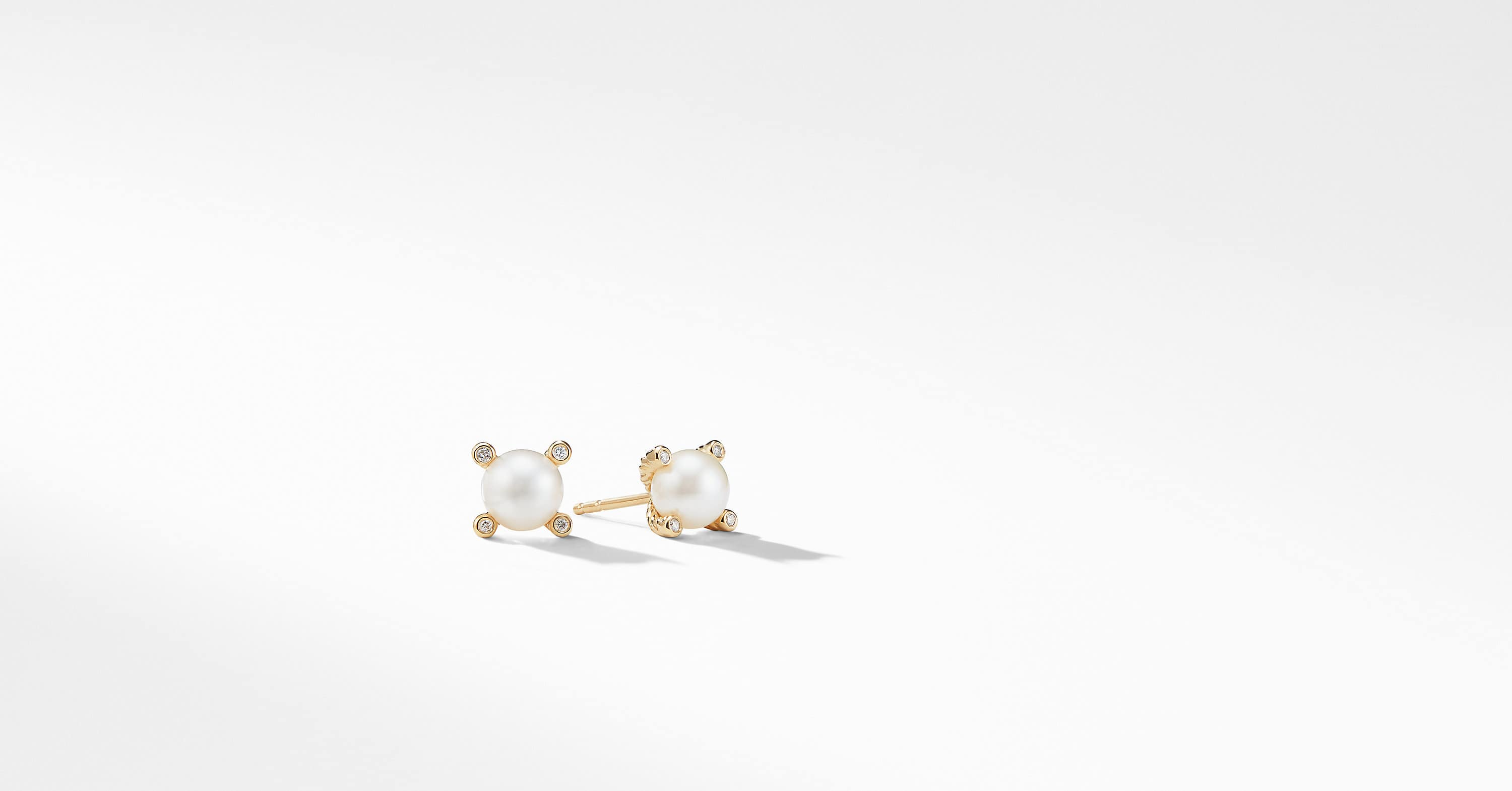 Pearl Earrings with Diamonds in 18K Gold