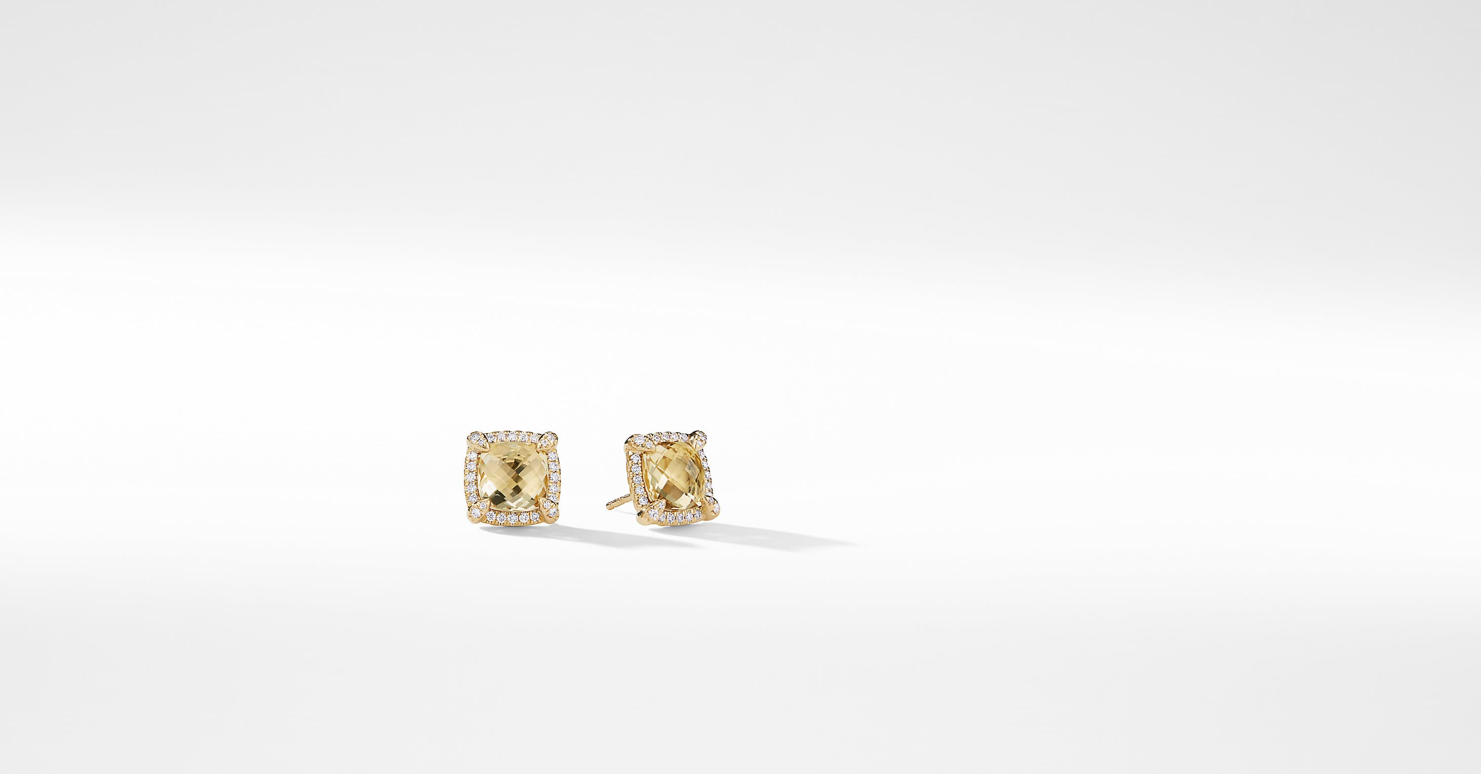 Chatelaine Pave Bezel Stud Earring with Diamonds in 18K Gold, 8mm