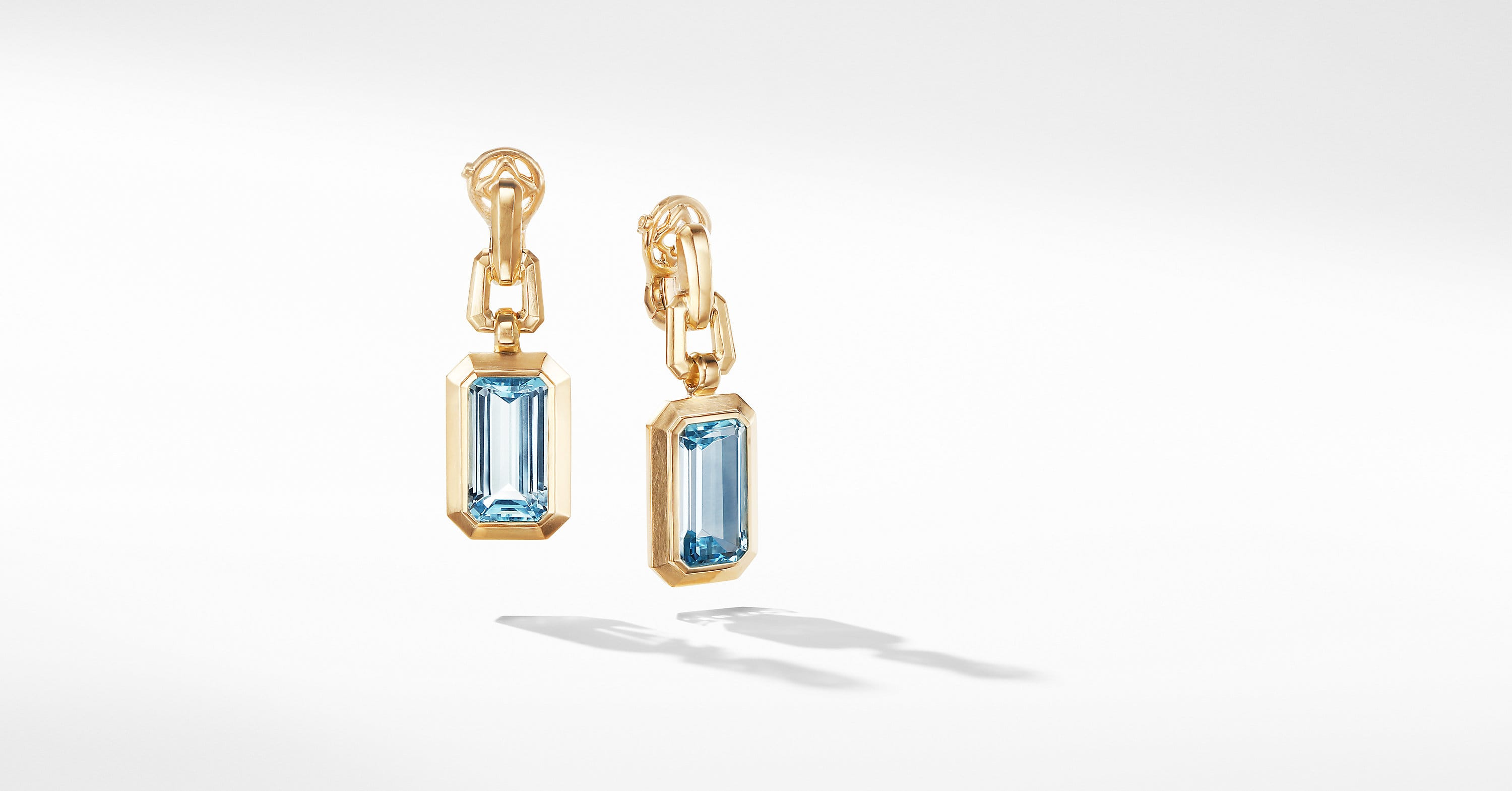 Novella Drop Earrings in 18K Yellow Gold