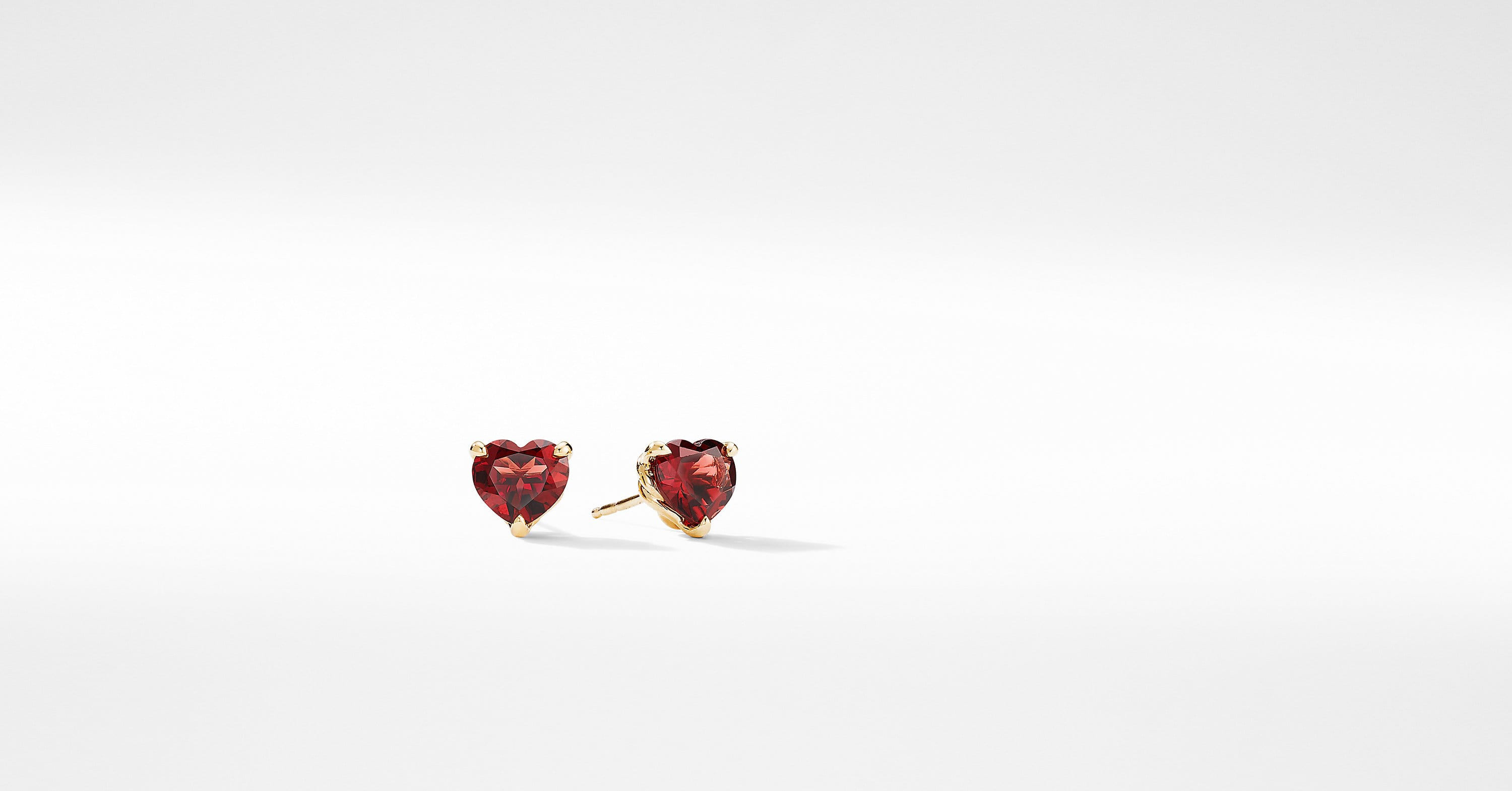 Heart Stud Earrings in 18K Yellow Gold