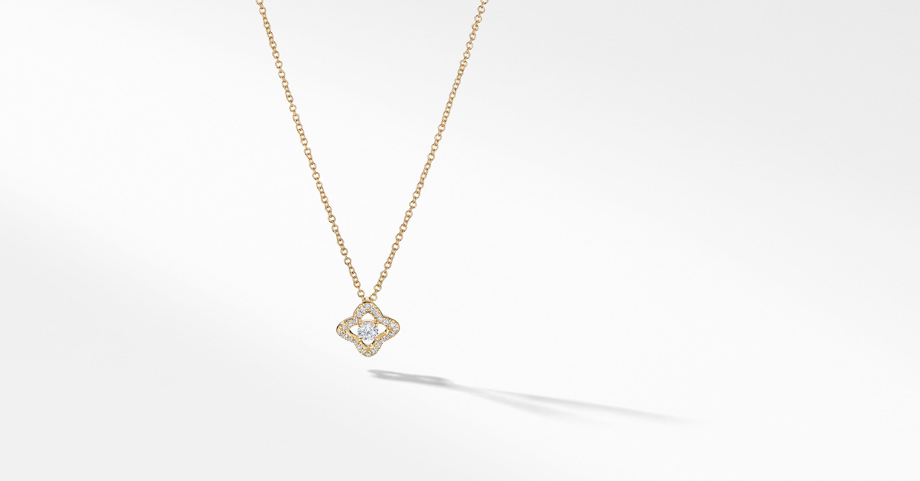 Venetian Quatrefoil Necklace with Diamonds in 18K Gold