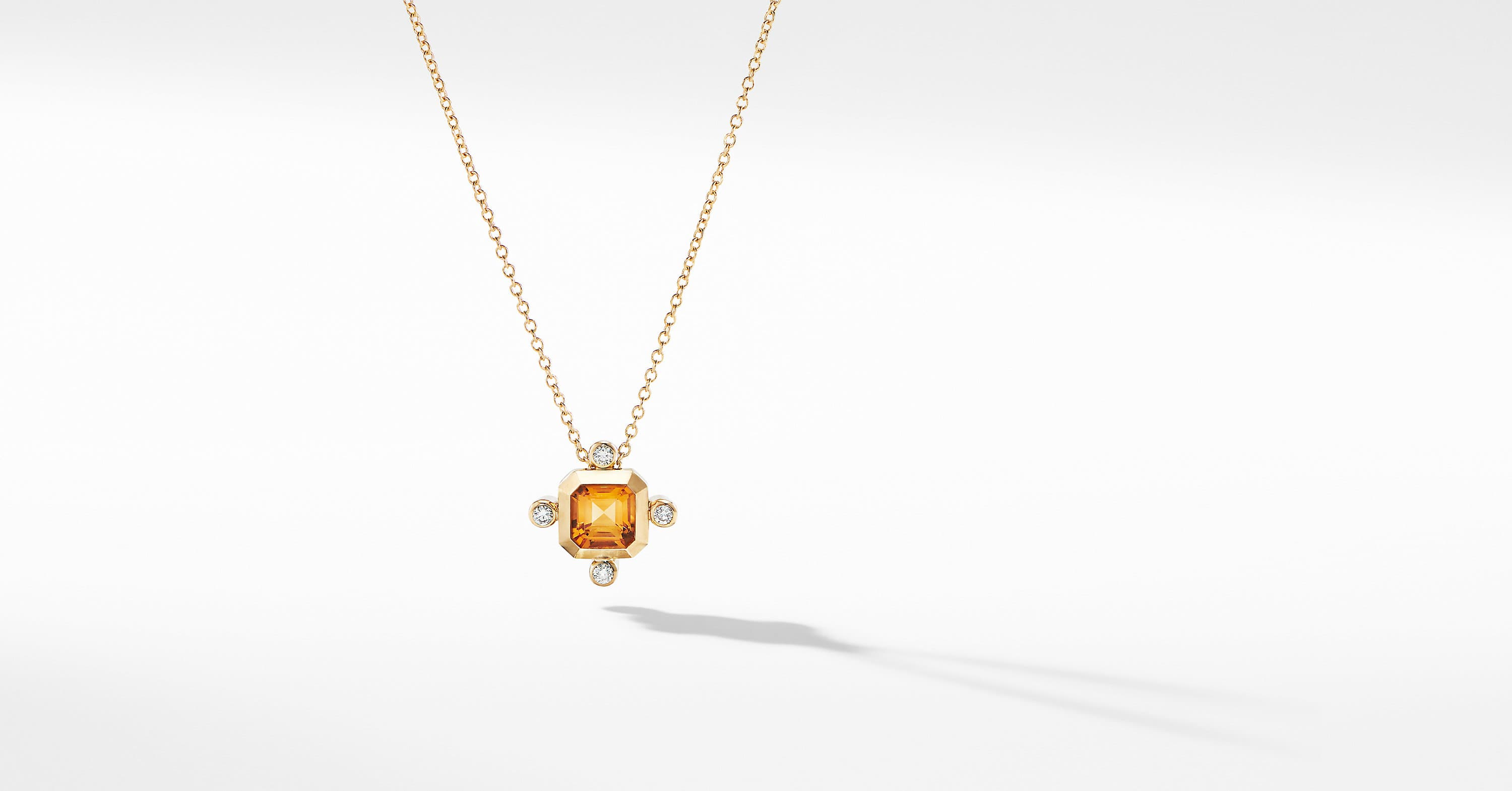Novella Pendant Necklace in 18K Yellow Gold with Diamonds
