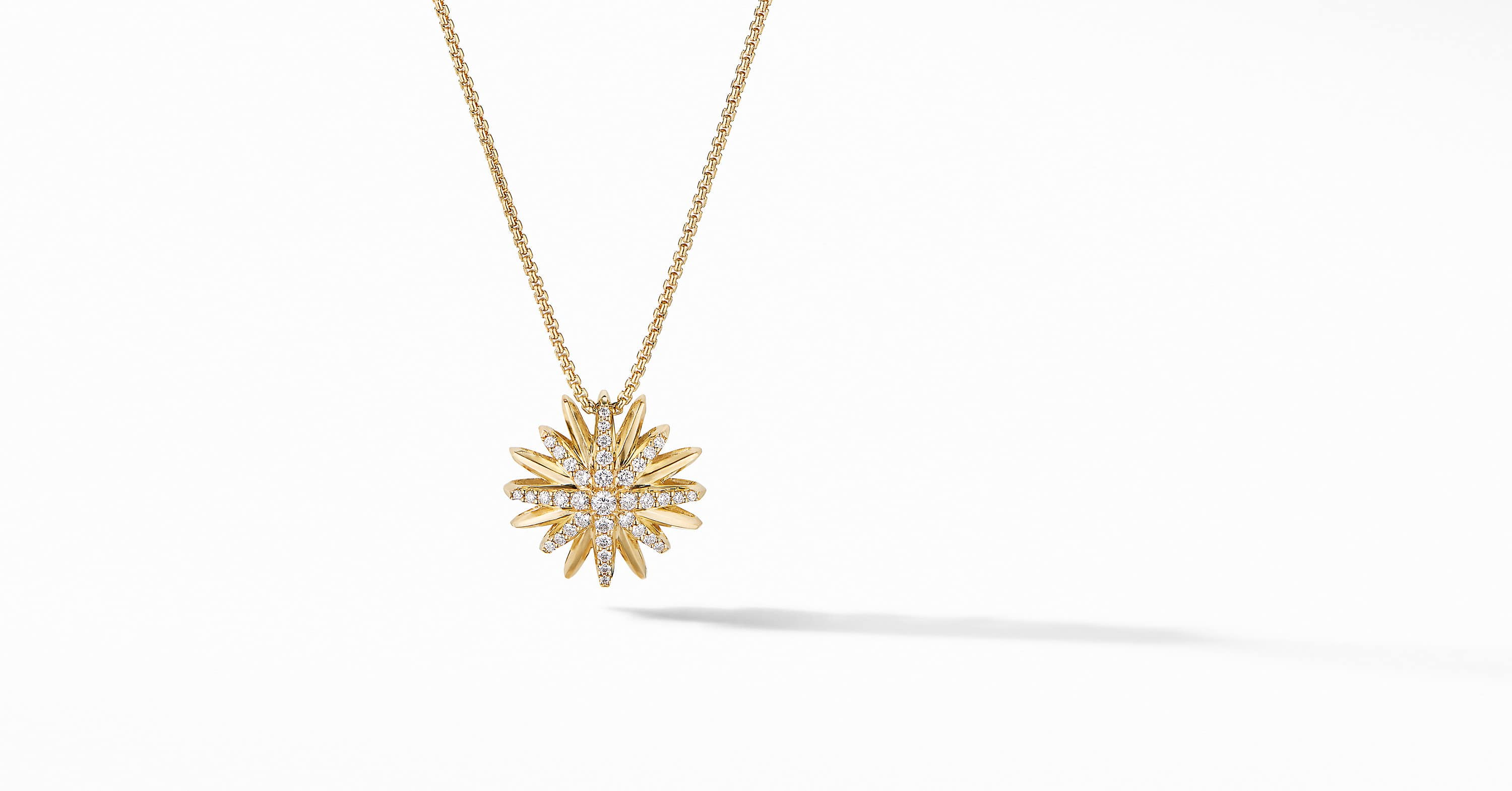 Starburst Pendant Necklace in 18K Yellow Gold with Diamonds, 19mm