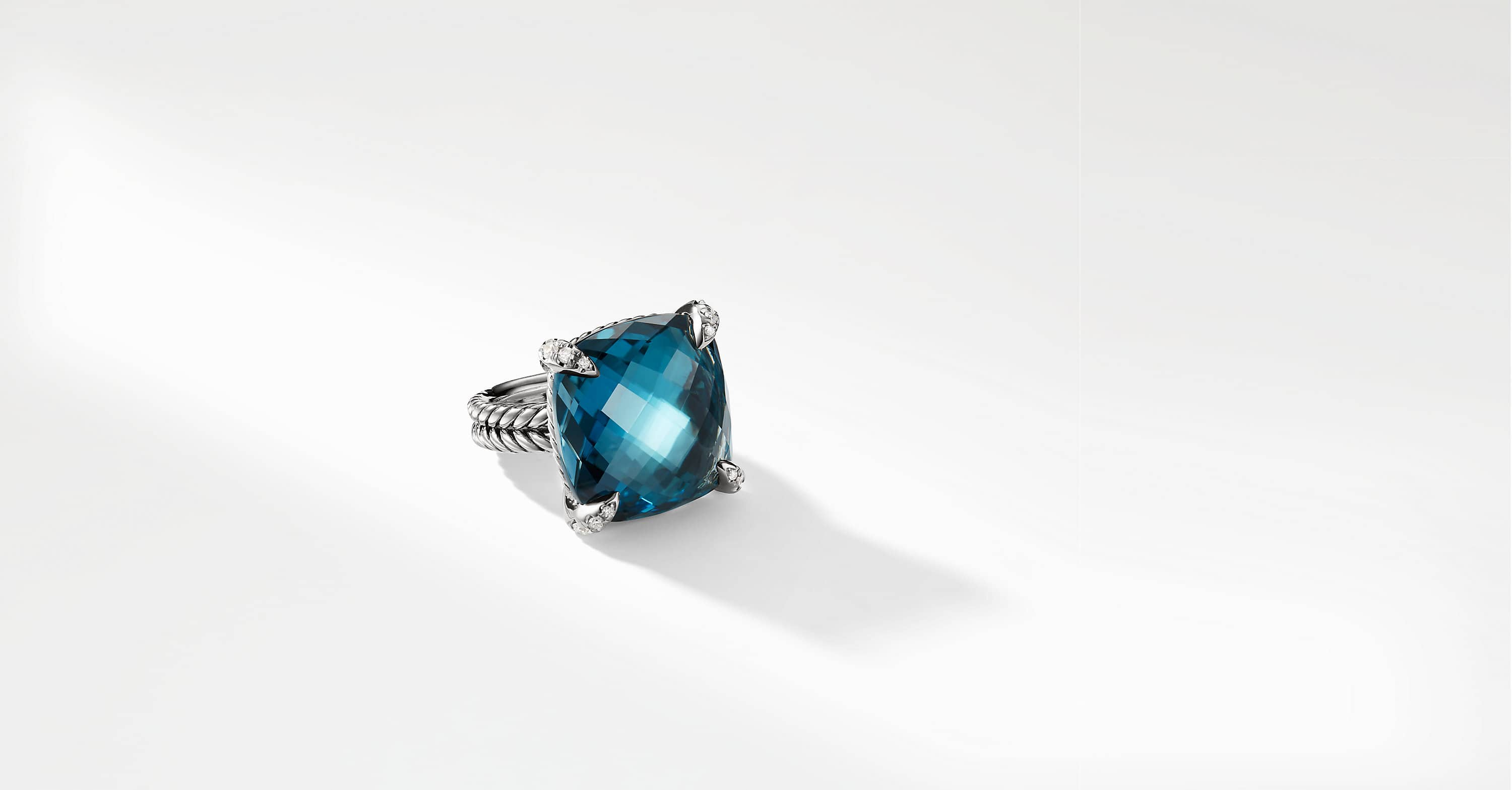 Chatelaine Ring with Diamonds, 20mm