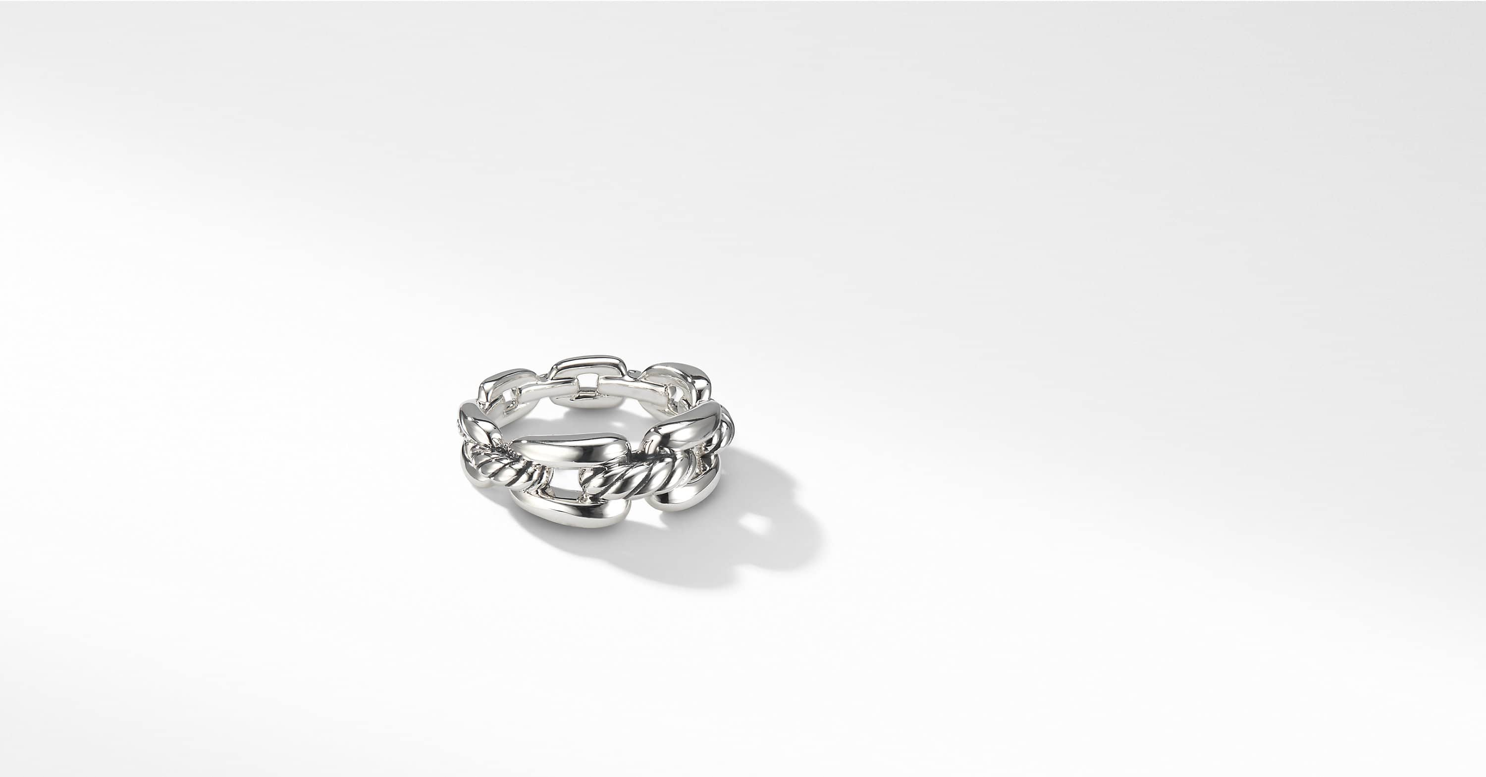 Wellesley Link Chain Ring