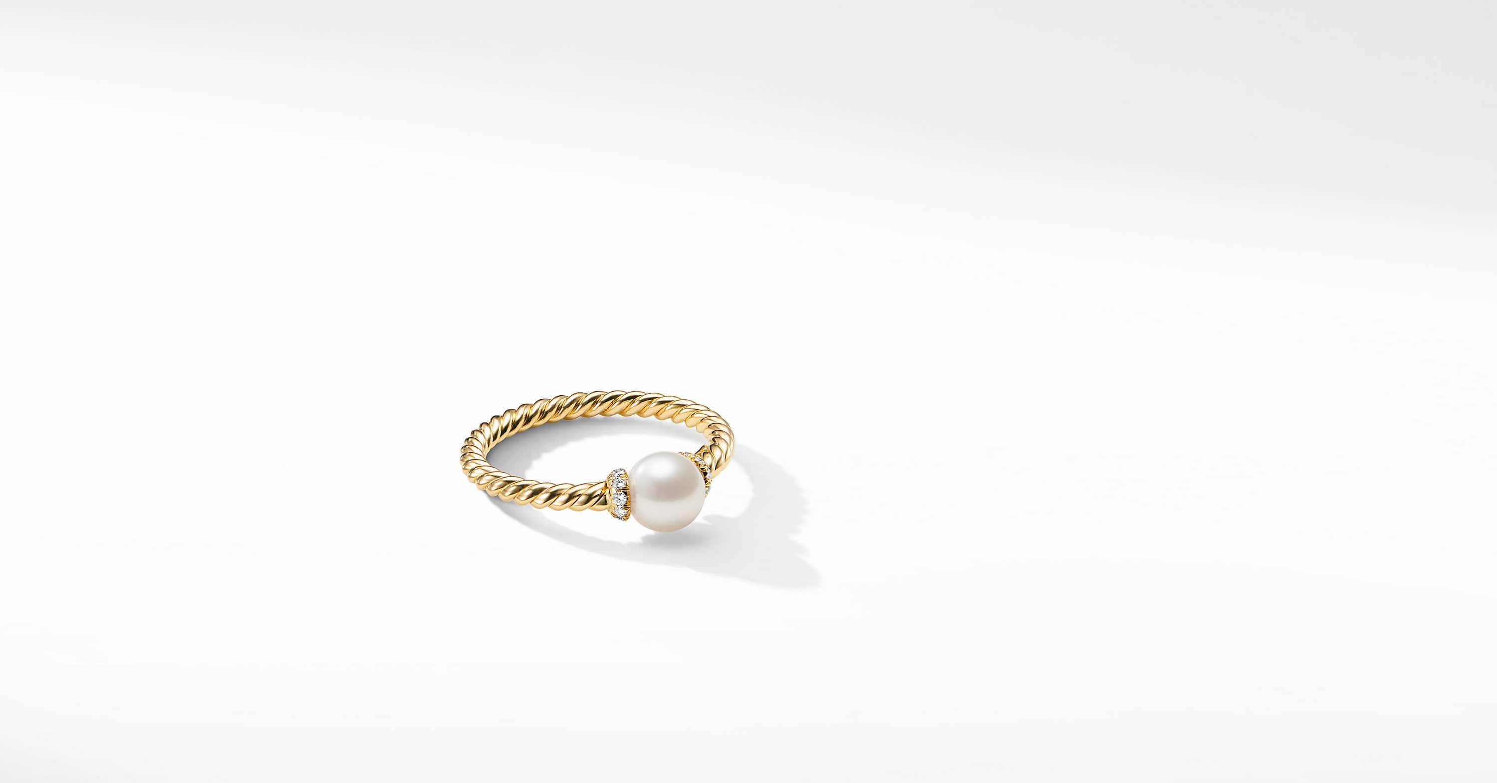 Petite Solari Station Ring with Pearl and Diamonds in 18K Gold