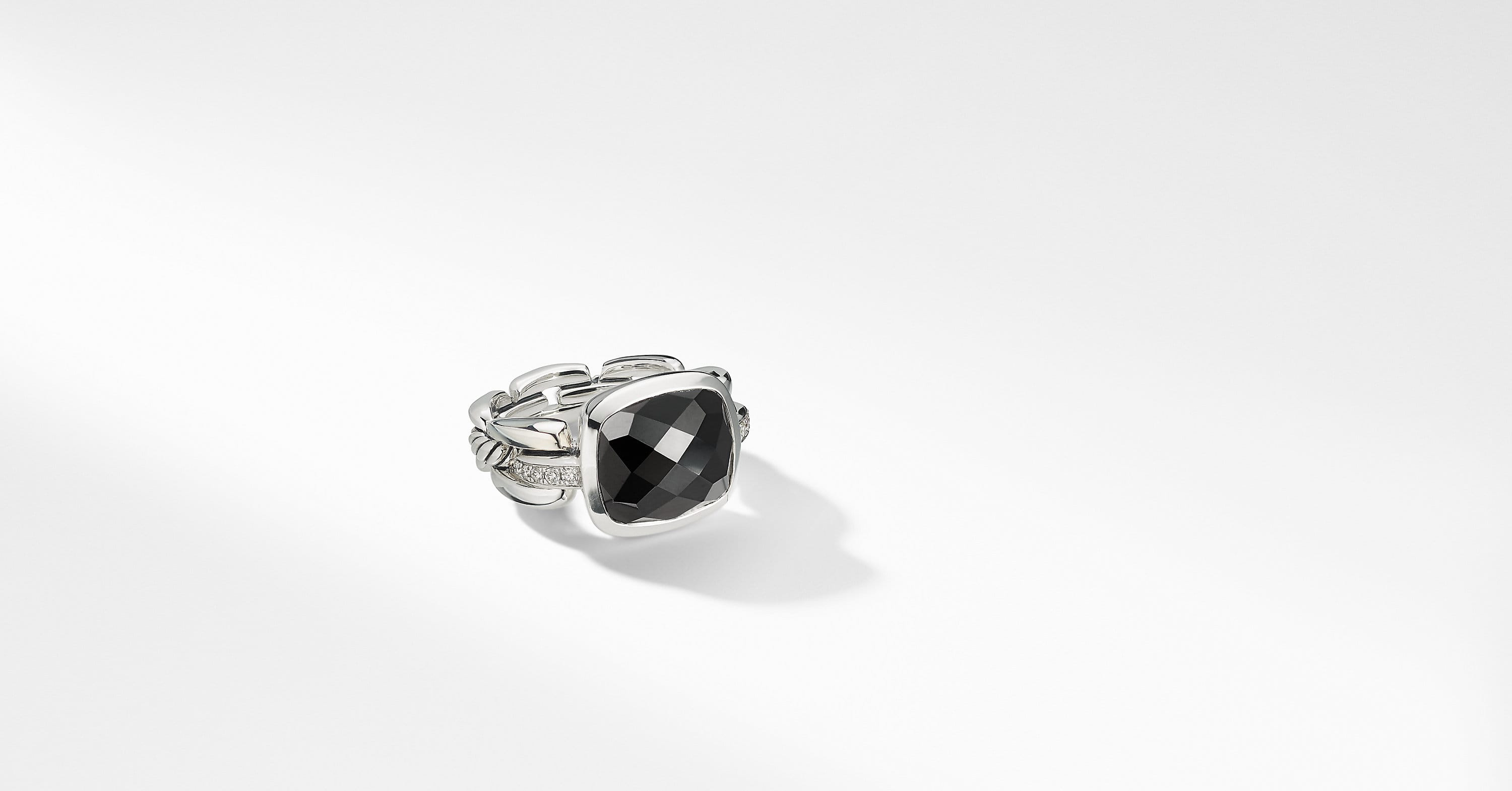 Wellesley Link Statement Ring with Diamonds