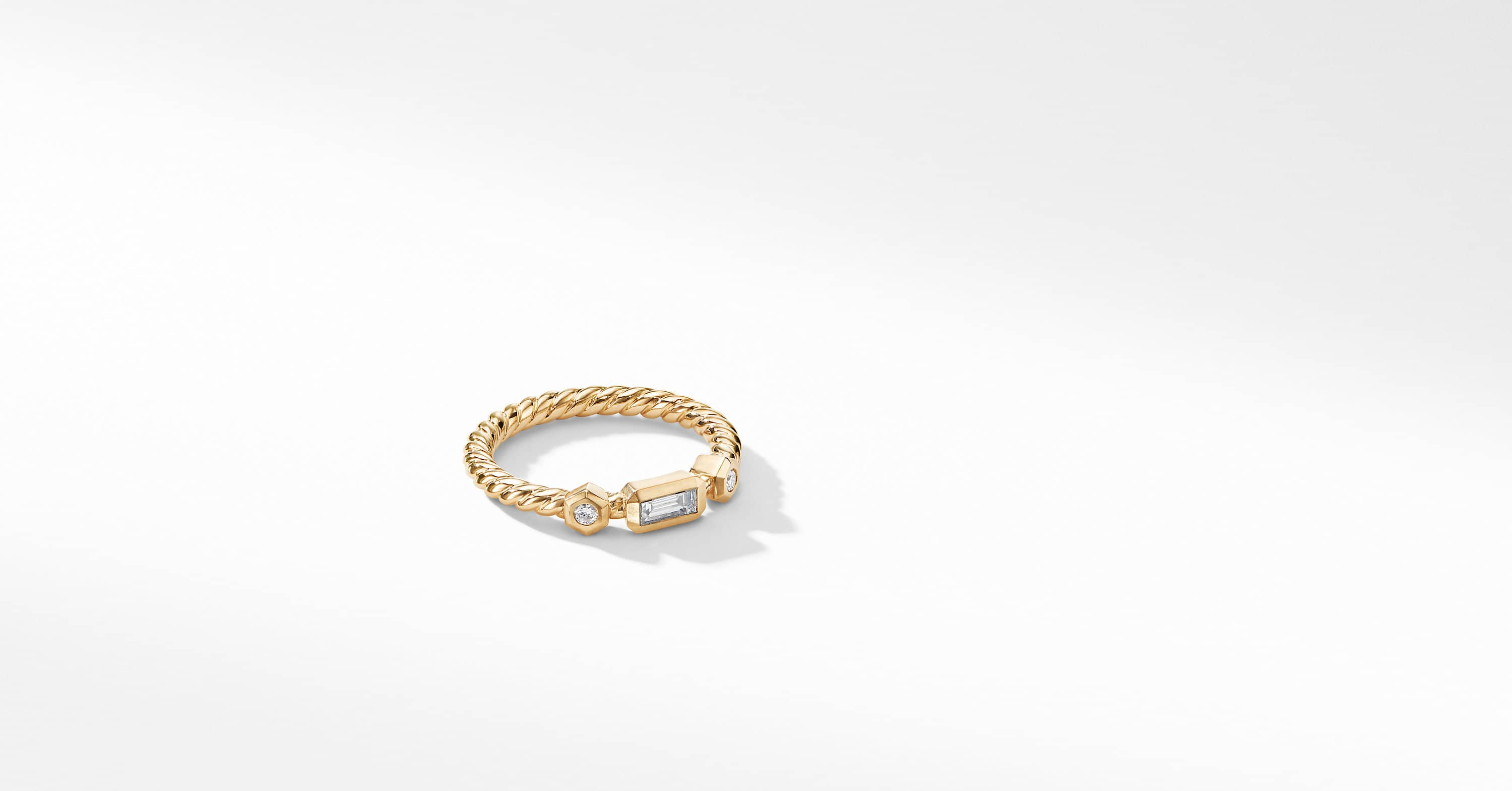 Novella Ring with Diamonds in 18K Yellow Gold