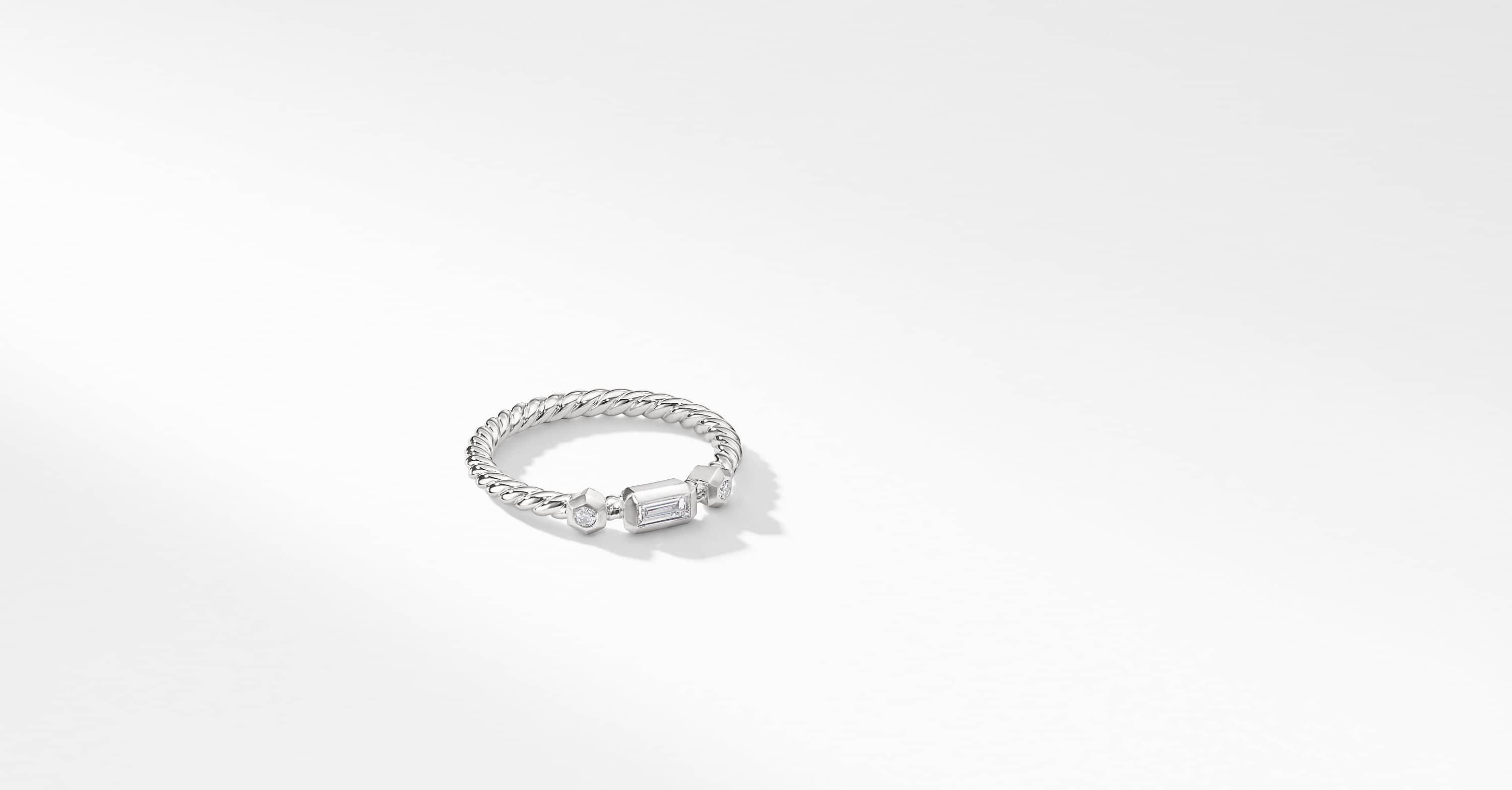 Novella Ring with Diamonds in 18K White Gold