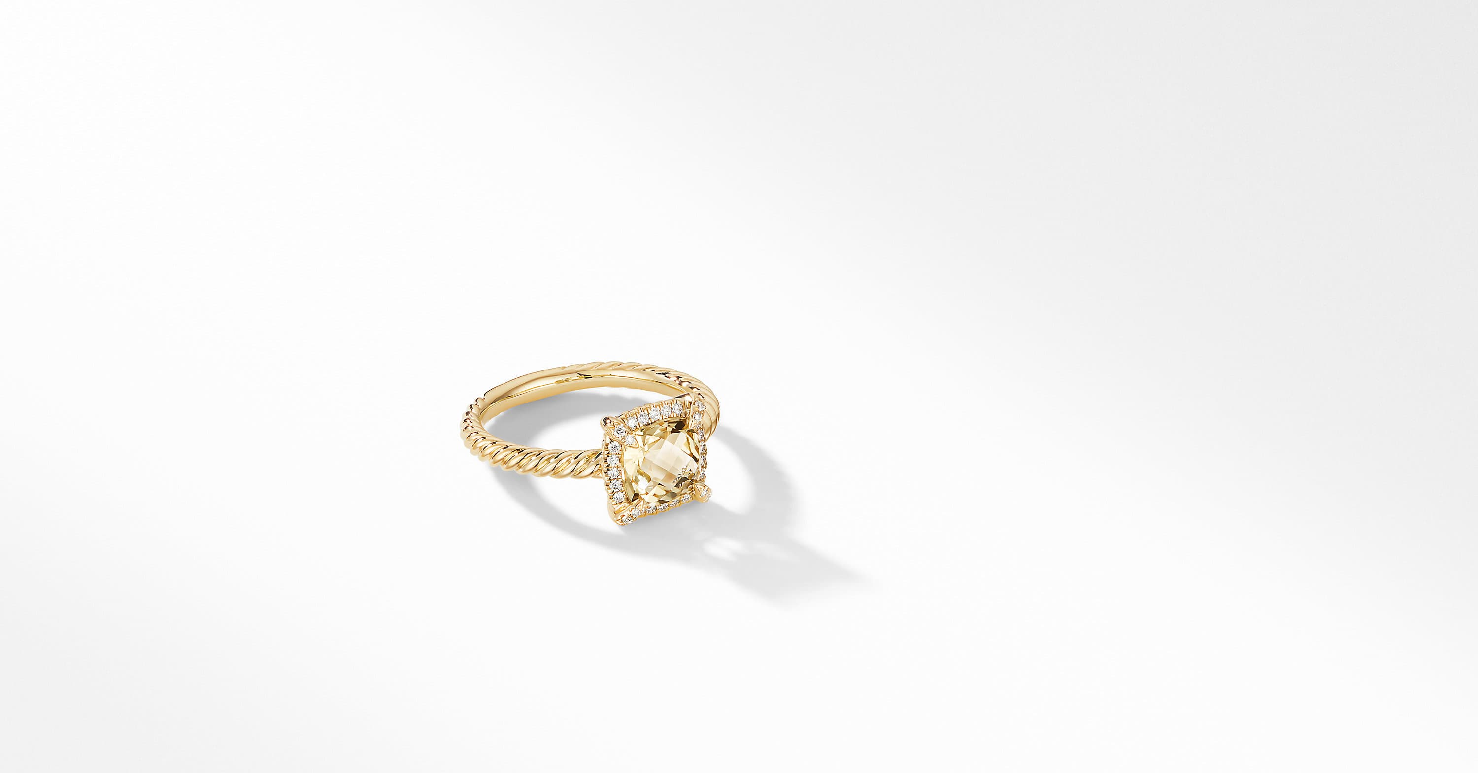Chatelaine Pavé Bezel Ring in 18K Yellow Gold, 7mm