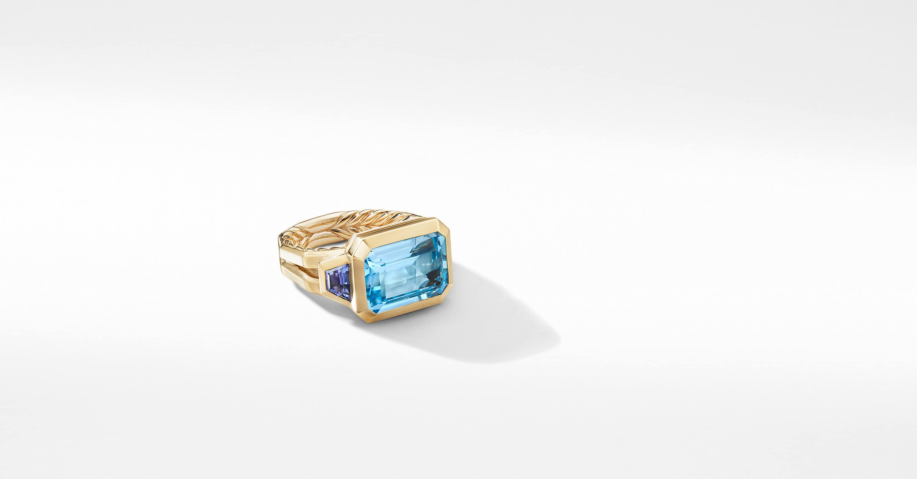 Novella Three Stone Ring in 18K Yellow Gold