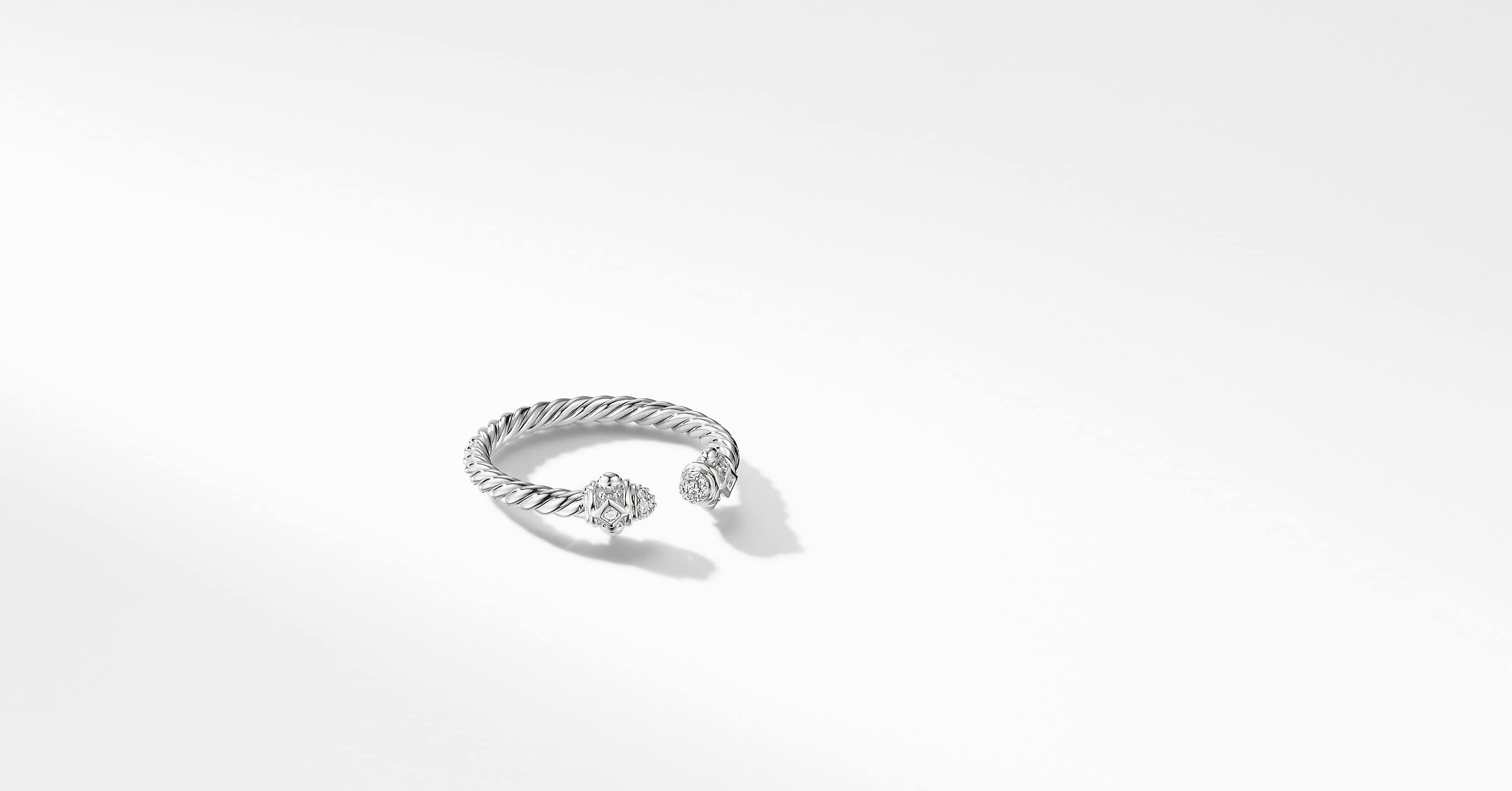 Renaissance Ring in 18K White Gold with Diamonds