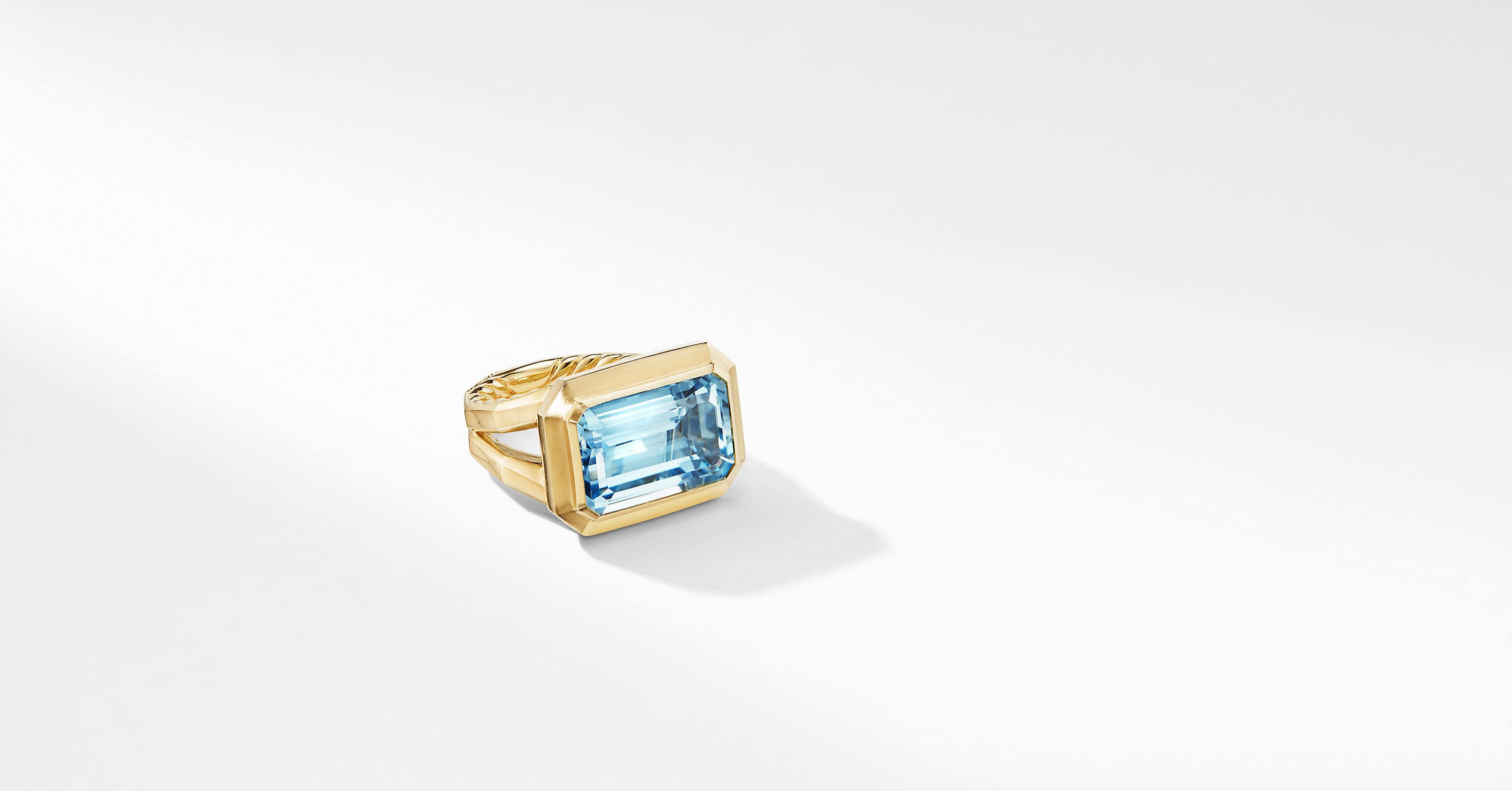 Novella Statement Ring in 18K Yellow Gold