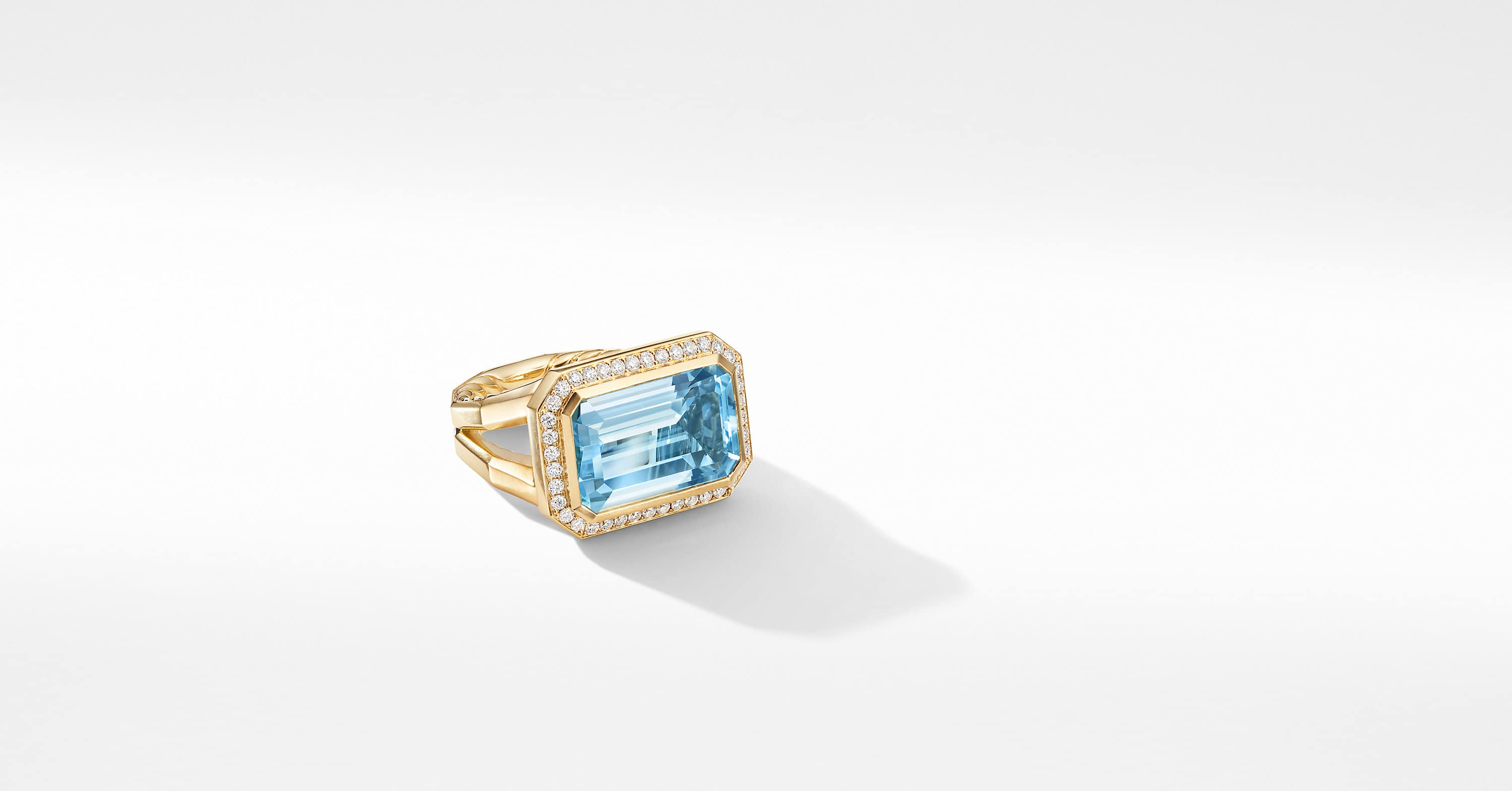 Novella Statement Ring in 18K Yellow Gold with Diamonds