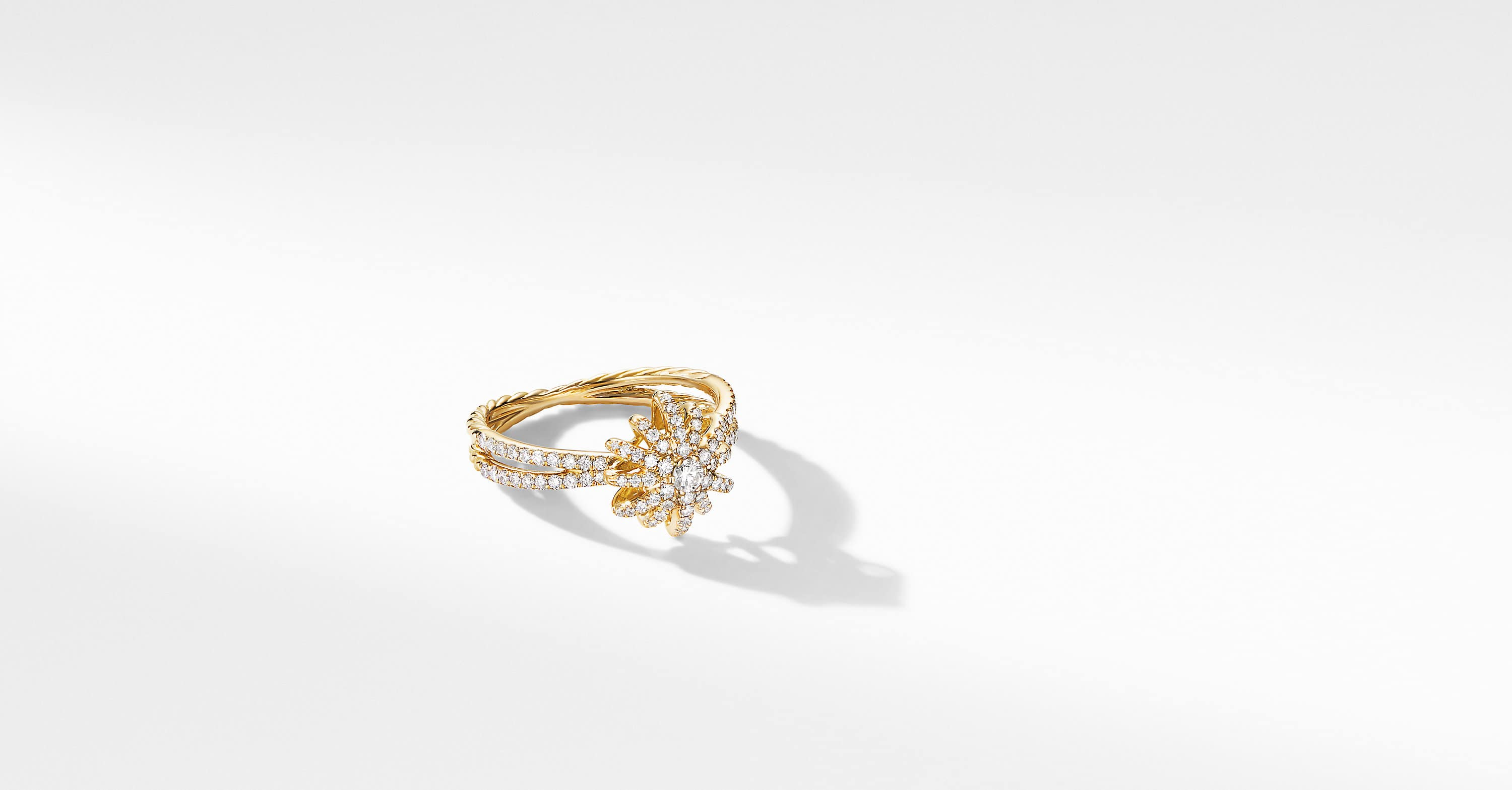 Starbust Ring in 18K Yellow Gold with Pavé