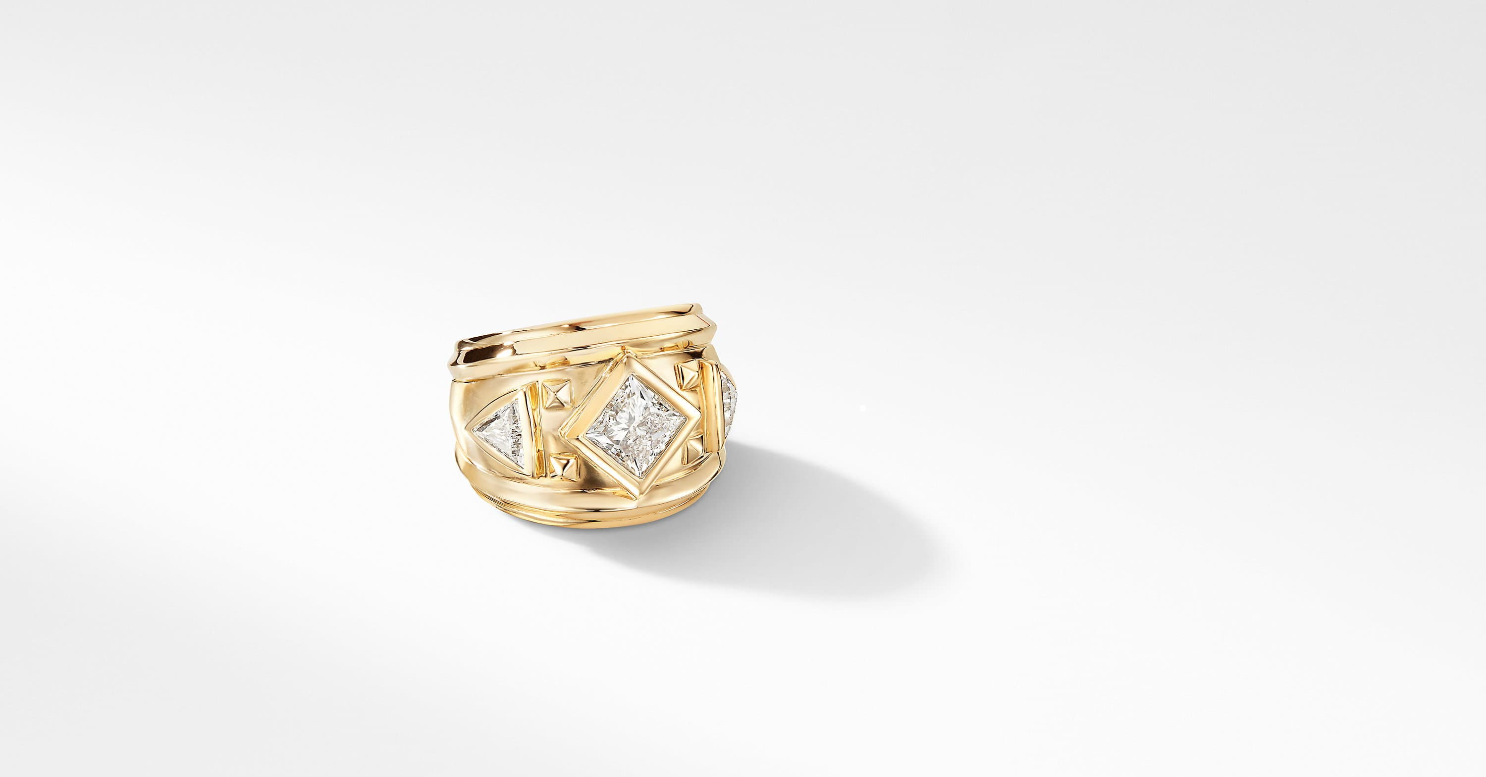 Bold Renaissance Ring in 18K Yellow Gold with Diamonds