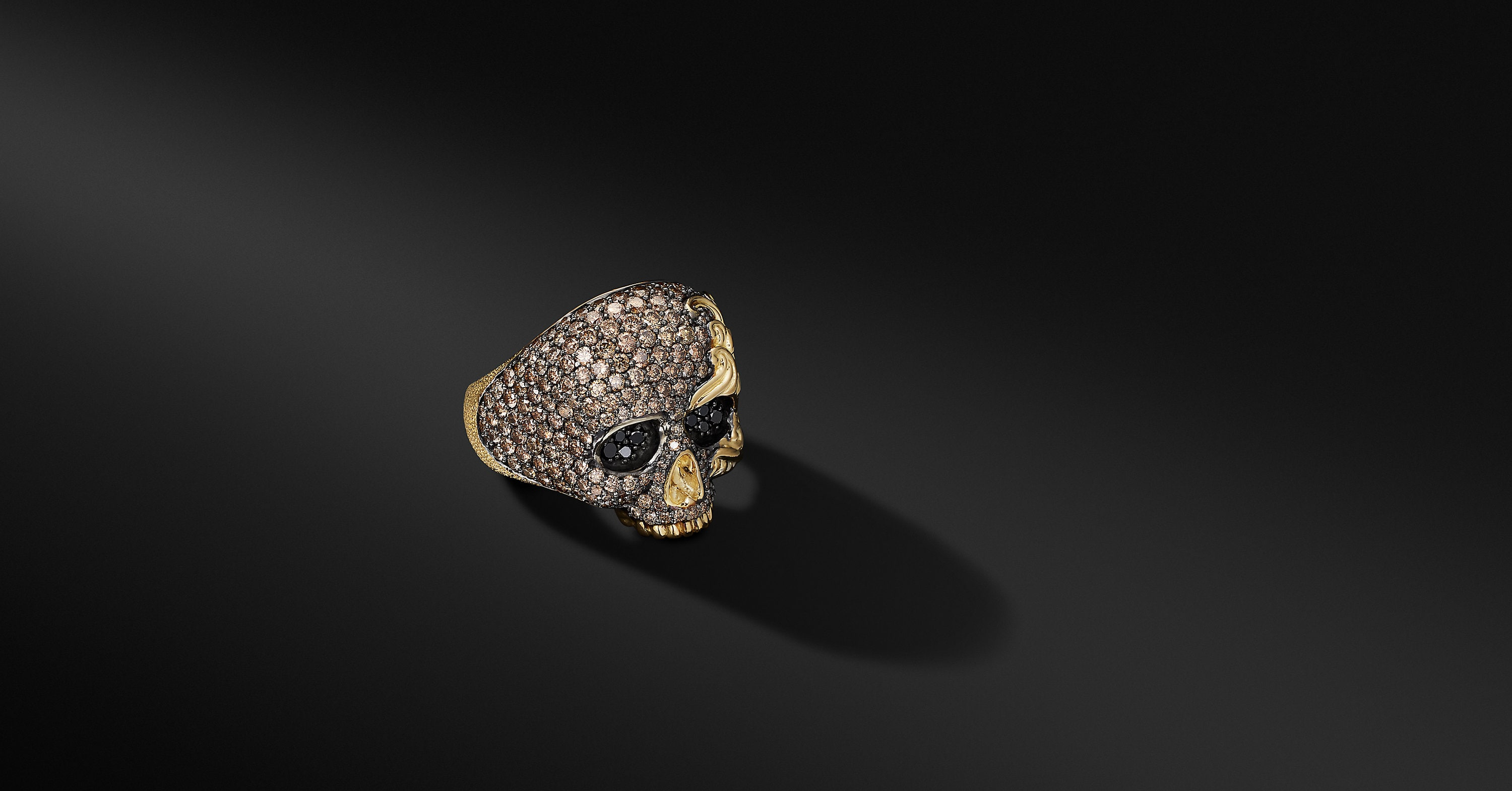 Waves Skull Ring in 18K Yellow Gold
