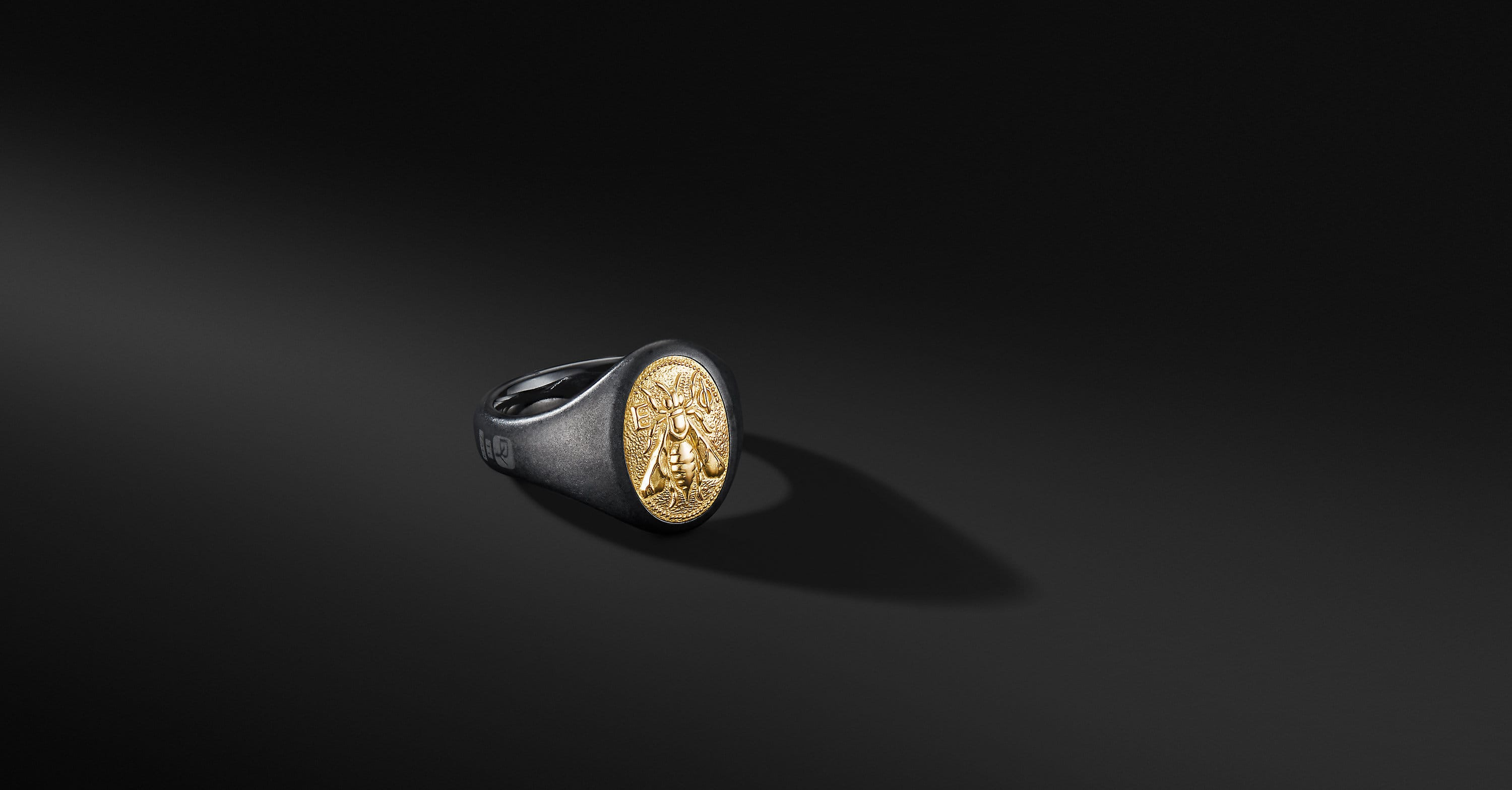 Petrvs Bee Signet Ring with Black Titanium and 18K Yellow Gold