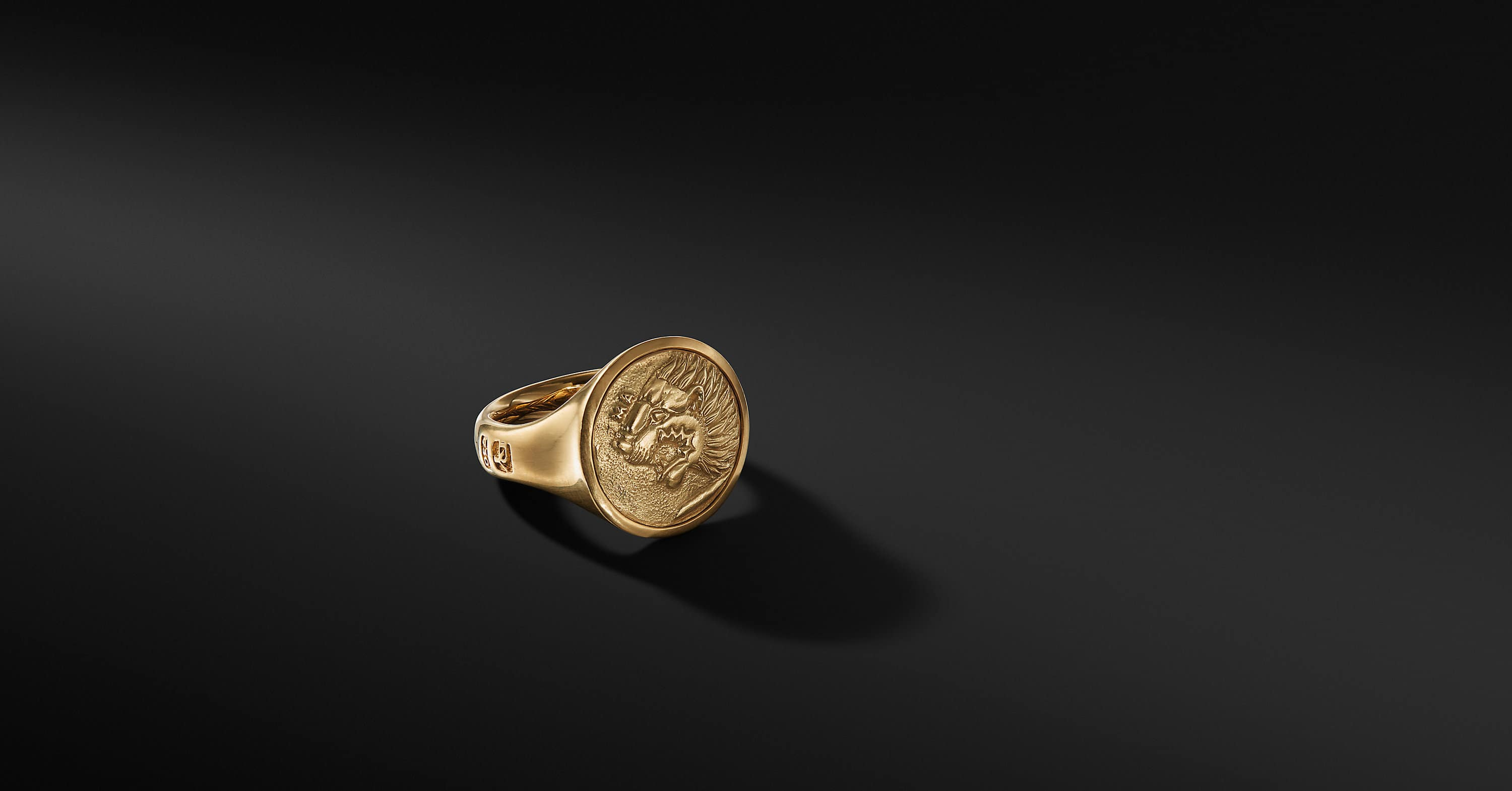 Petrvs Lion Signet Ring in 18K Gold