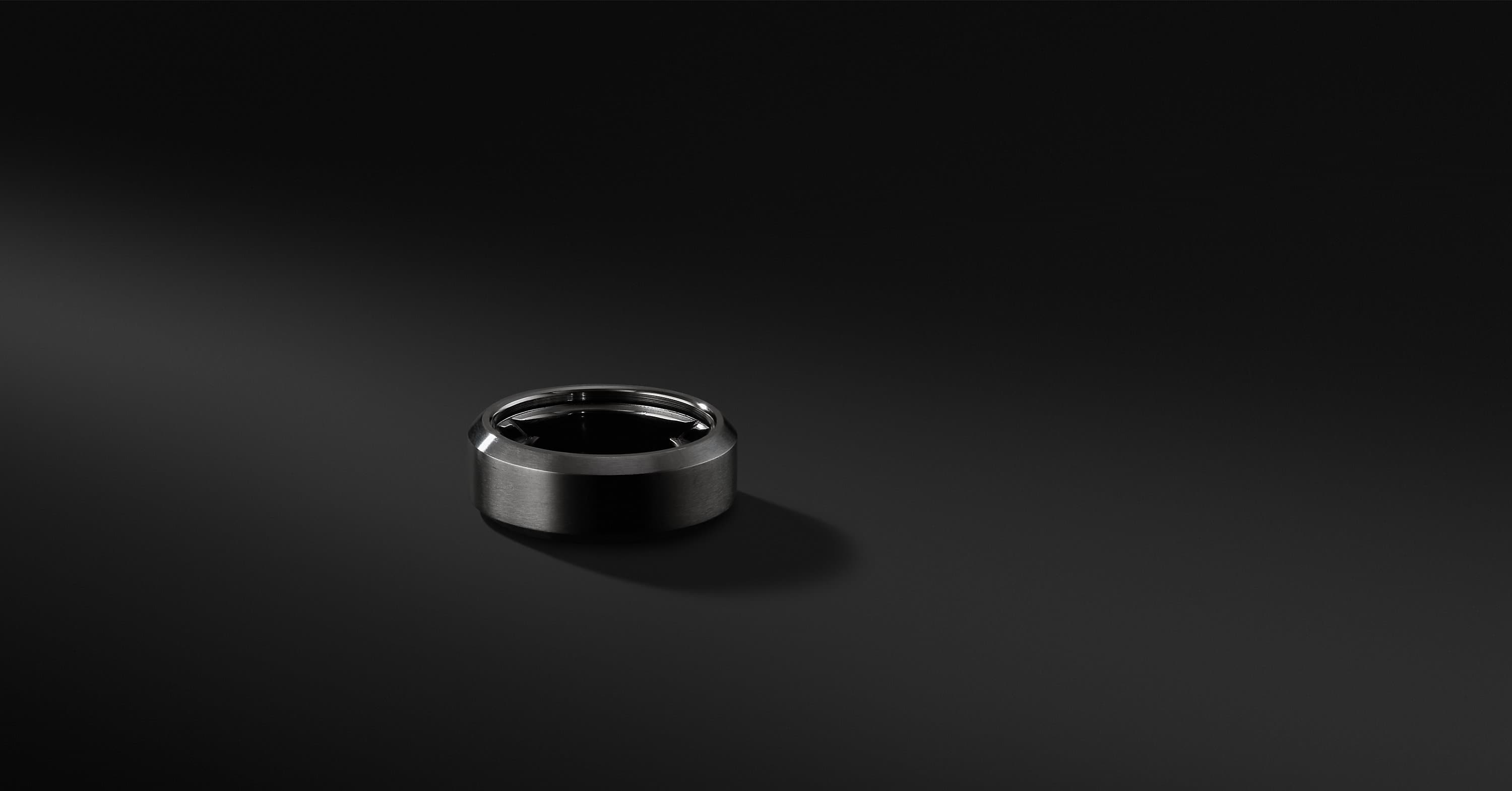 Beveled Band in Black Titanium, 8.5mm