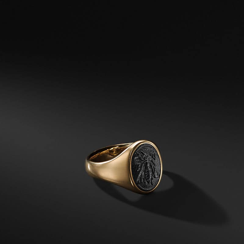 Petrvs Bee Signet Pinky Ring in 18K Gold