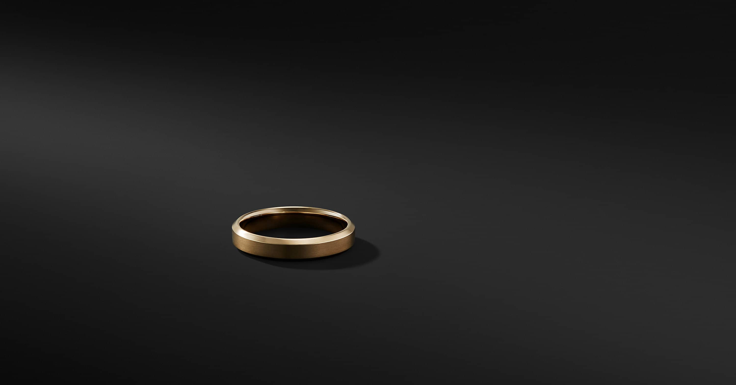 Beveled Band Ring in 18K Gold, 5mm